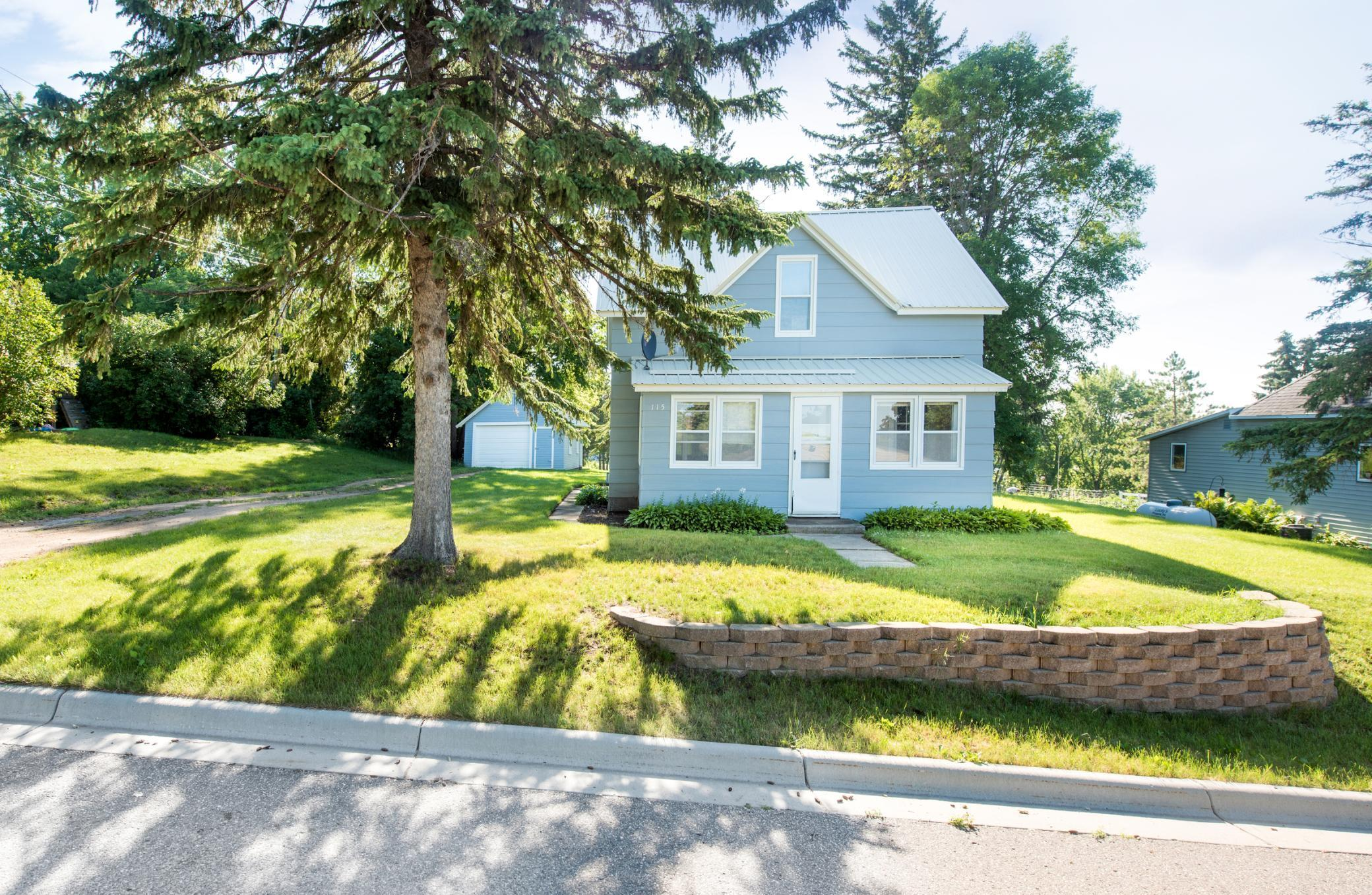 115 Woodside S Property Photo - Evansville, MN real estate listing
