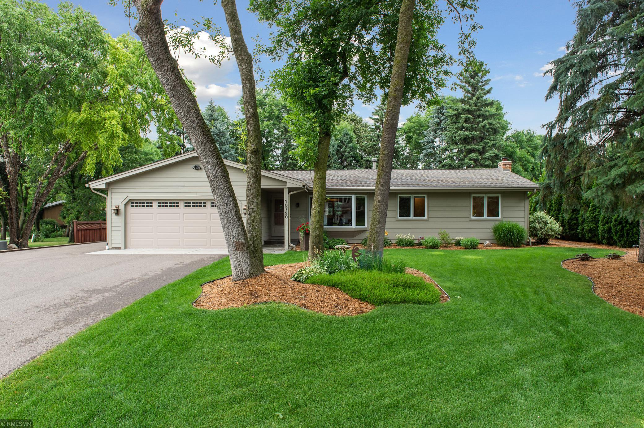 10720 36th Place N Property Photo - Plymouth, MN real estate listing