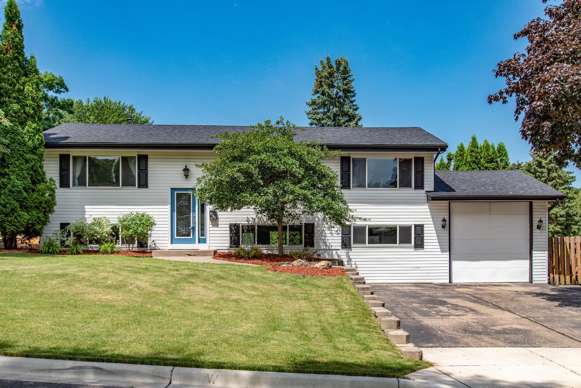 3709 Hillsboro N Property Photo - New Hope, MN real estate listing