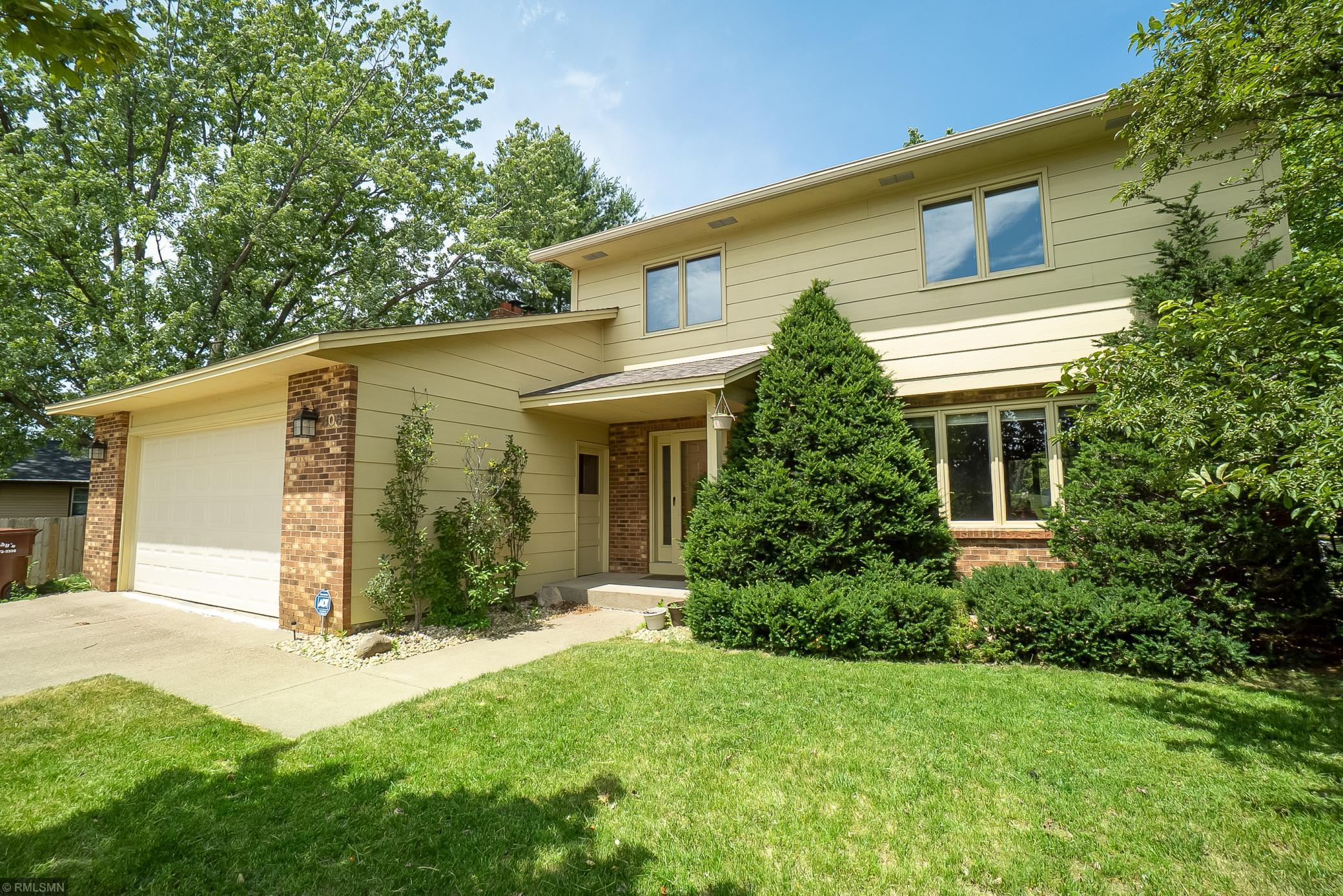 806 72nd N Property Photo - Brooklyn Center, MN real estate listing