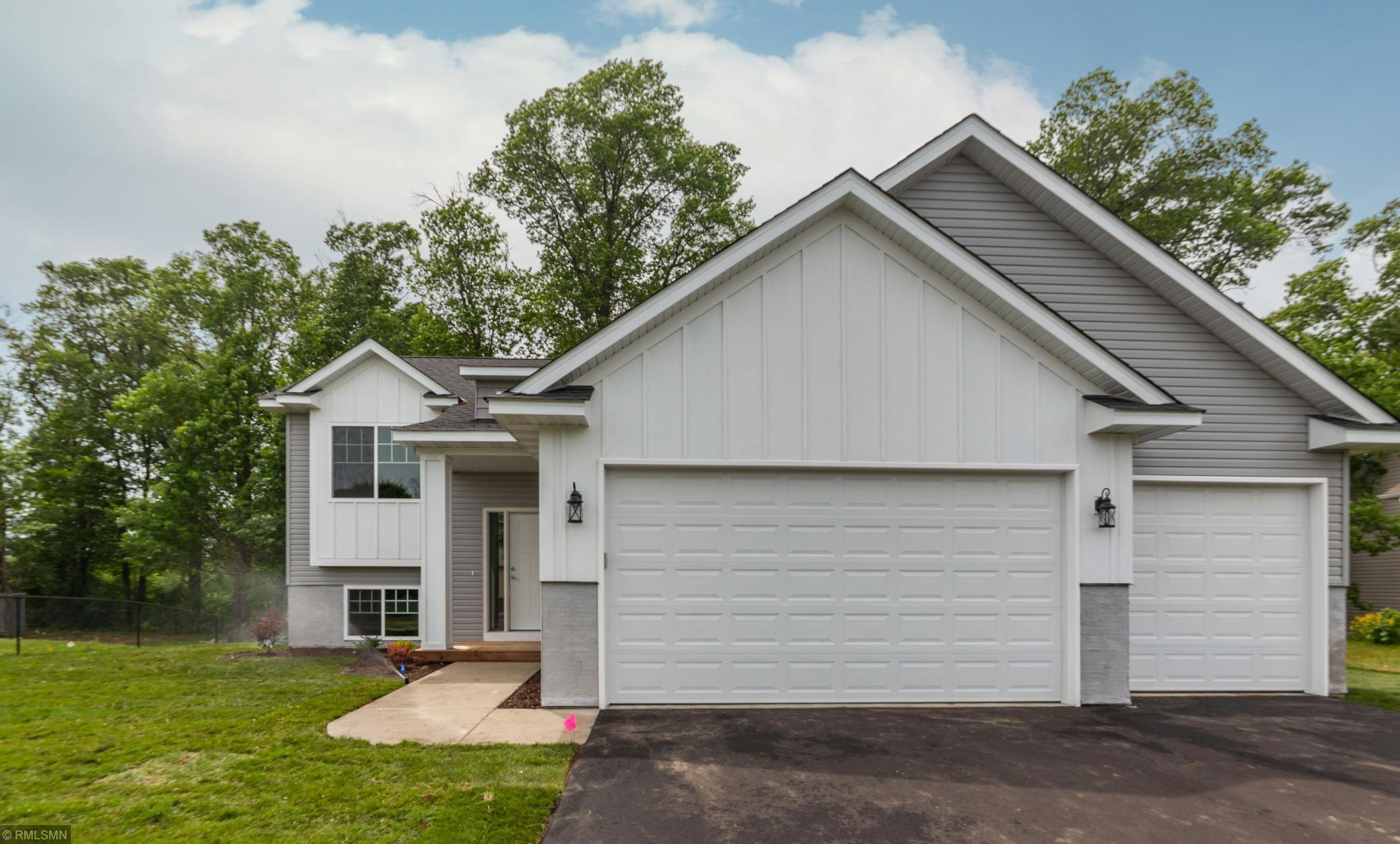 20545 Guarani Street NW Property Photo - Oak Grove, MN real estate listing
