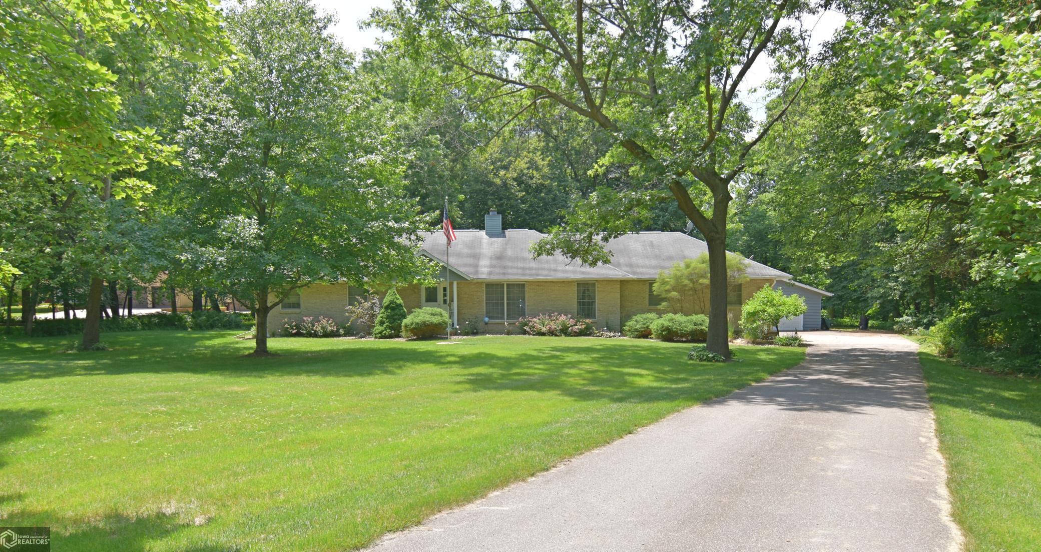 2375 186th #J Property Photo - Marshalltown, IA real estate listing