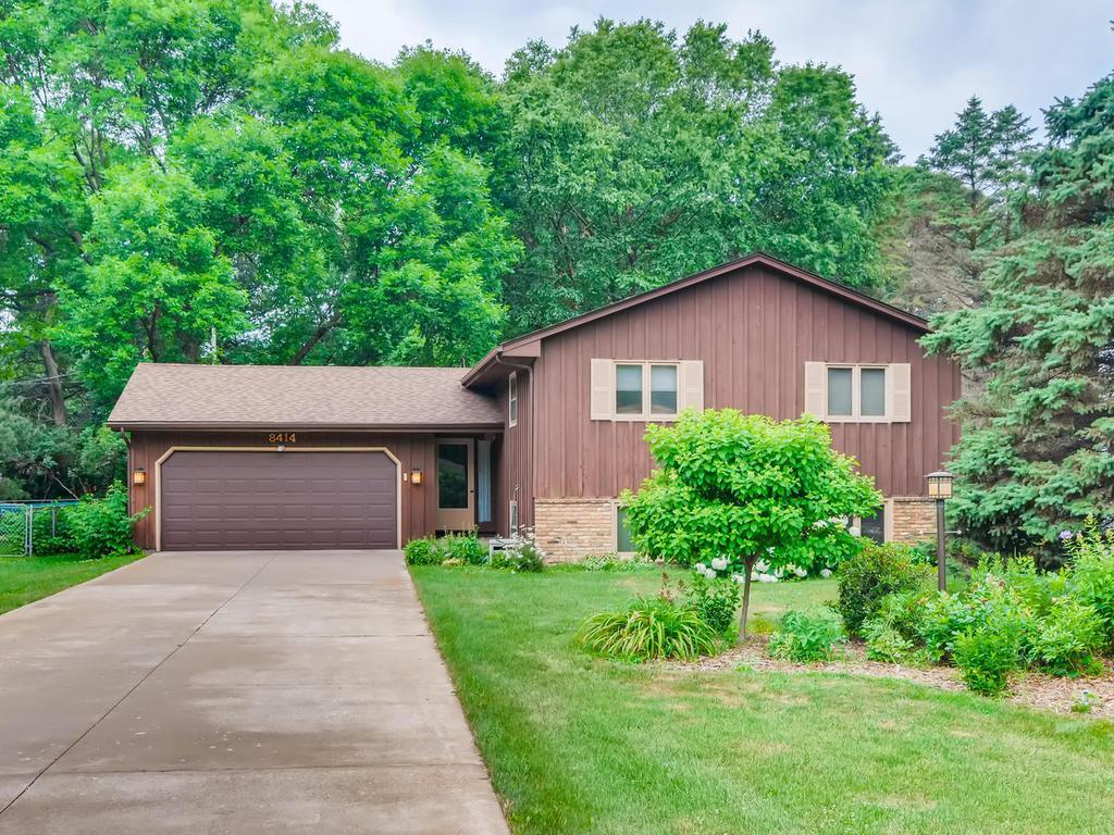 8414 Groveland Road Property Photo - Mounds View, MN real estate listing