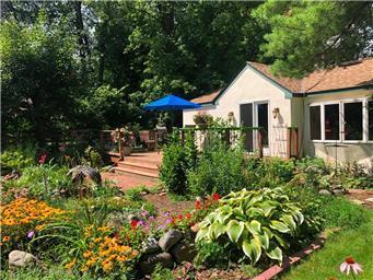 185 Bederwood Property Photo - Orono, MN real estate listing