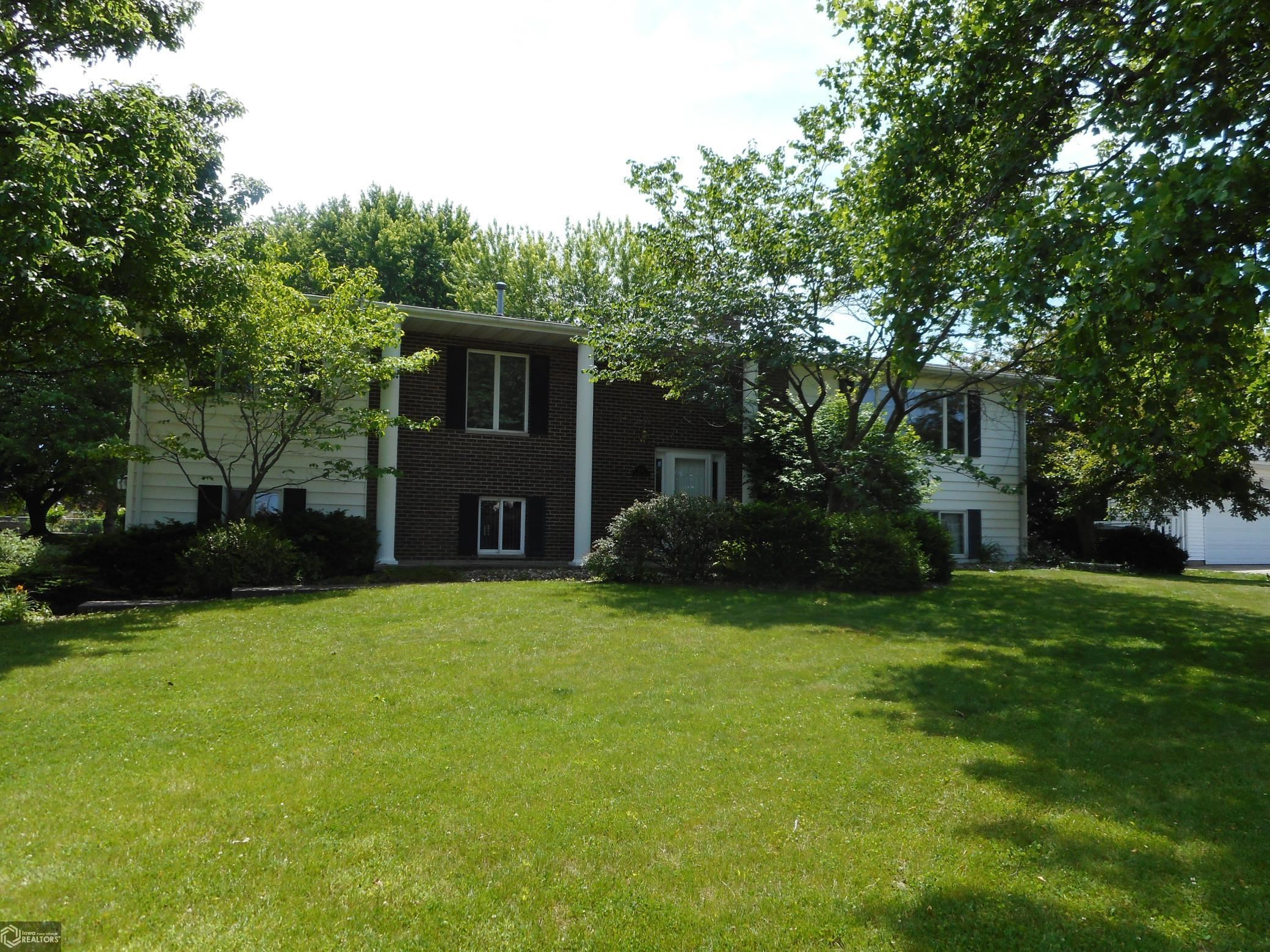 812 Terrace Property Photo - Burlington, IA real estate listing