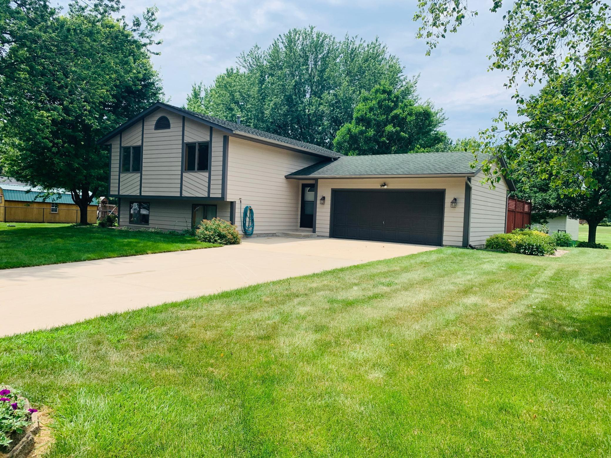 1915 Christopher SE Property Photo - Rochester, MN real estate listing