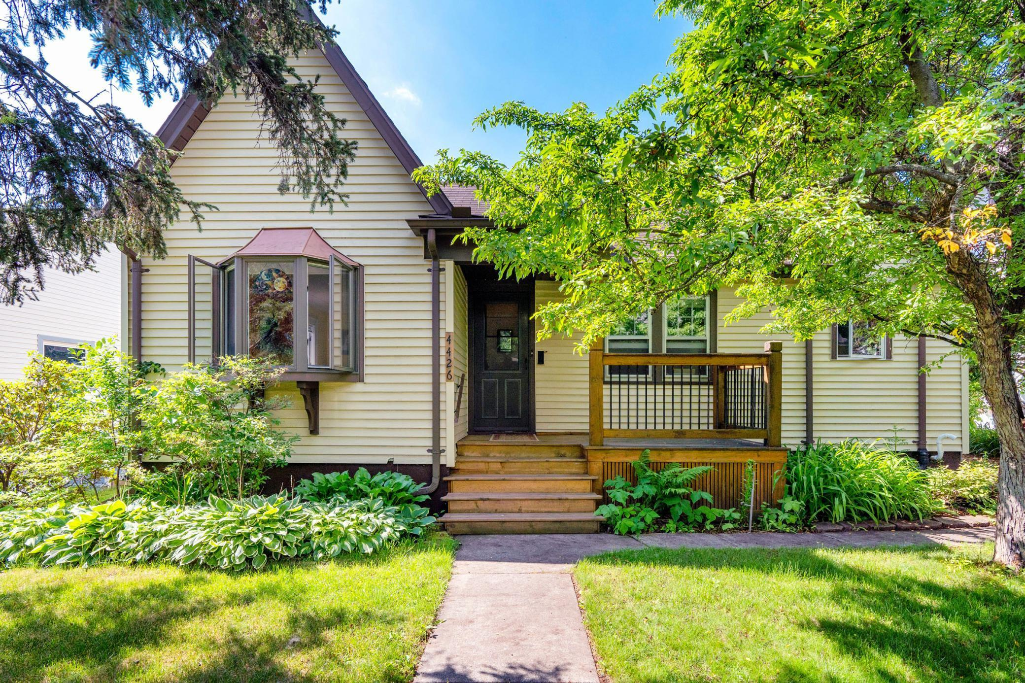 4426 Robinson Street Property Photo - Duluth, MN real estate listing