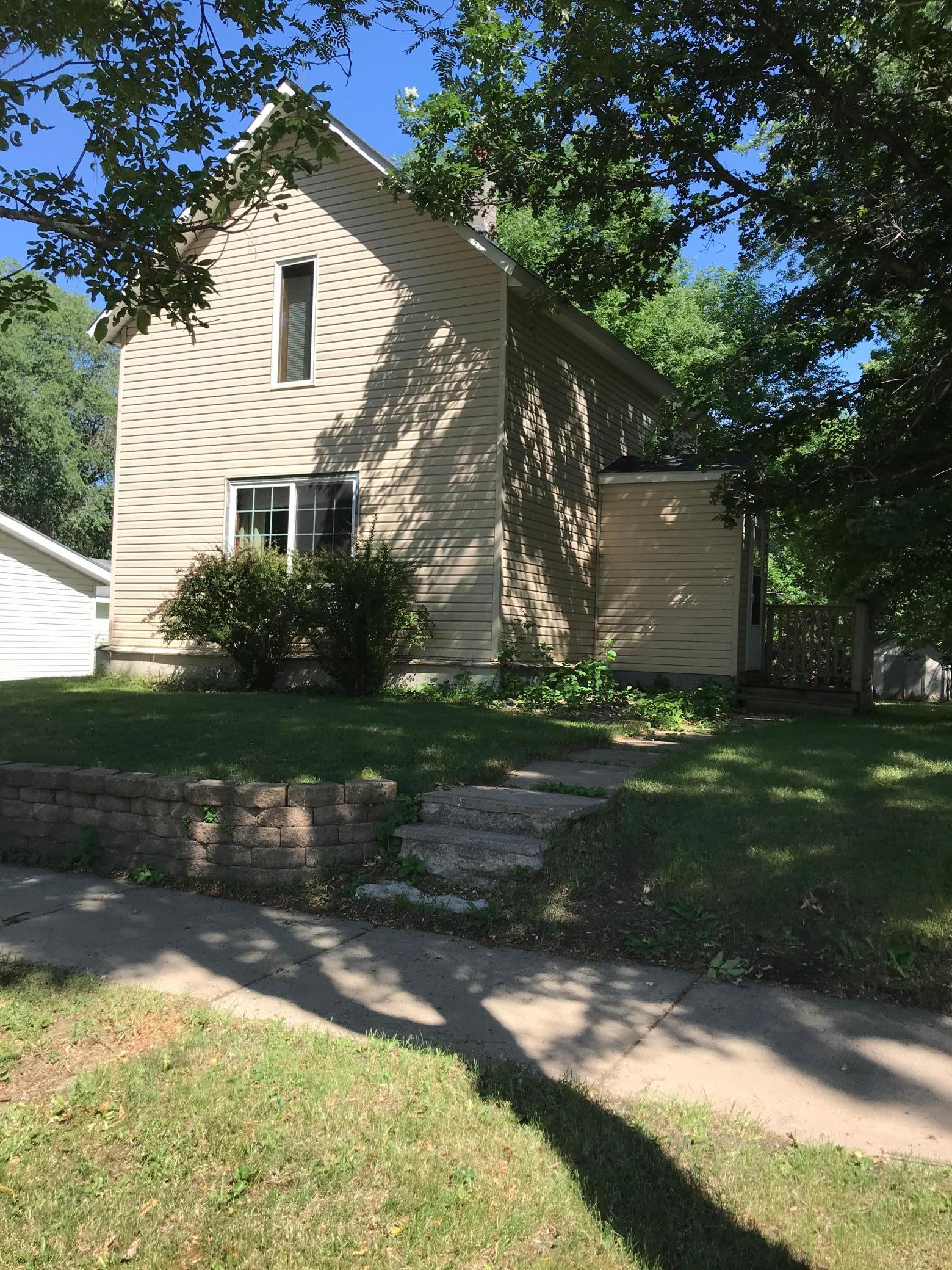 56239 Real Estate Listings Main Image