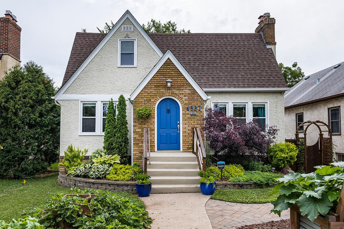 4337 Portland Property Photo