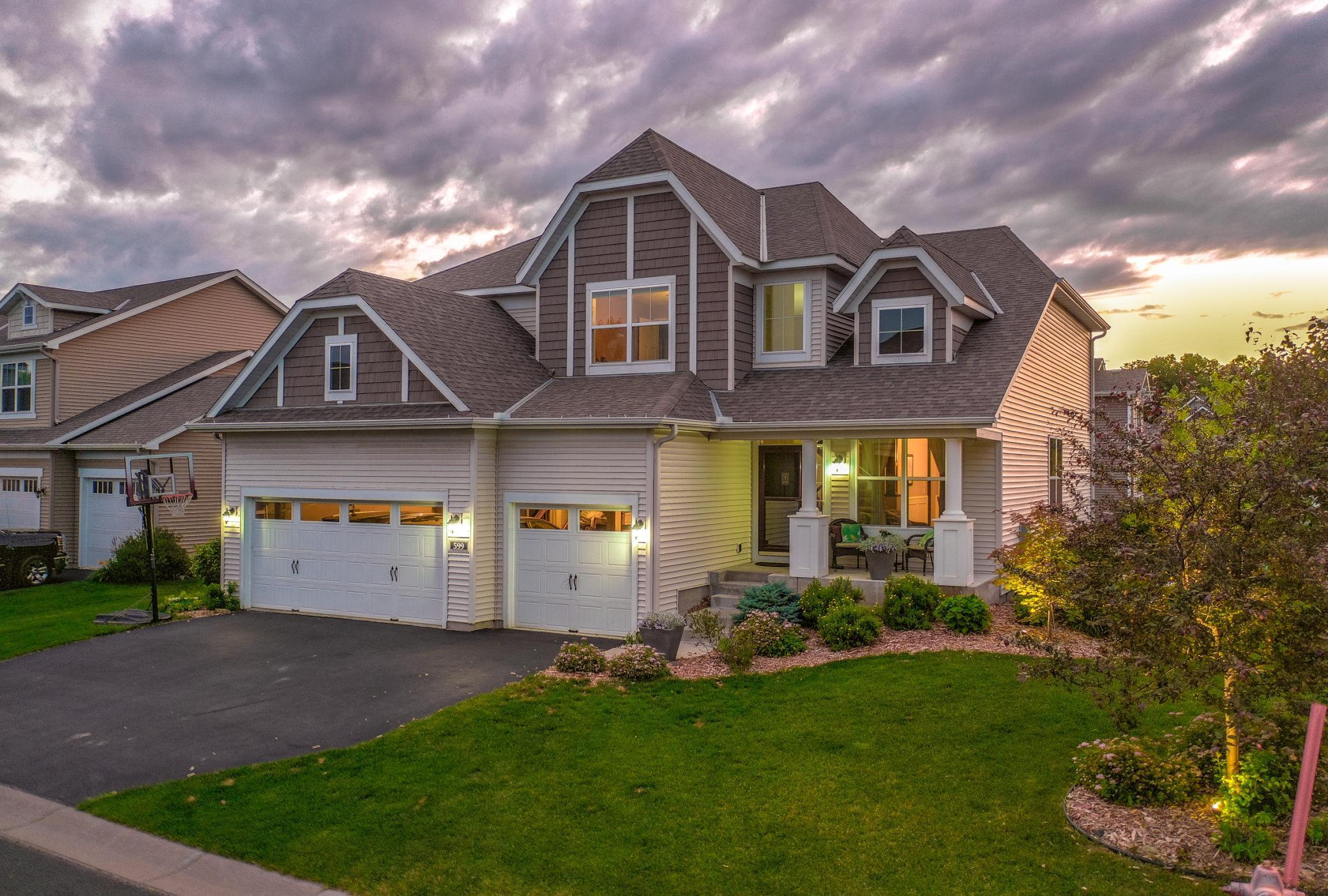 599 Eastgate Property Photo - Mahtomedi, MN real estate listing