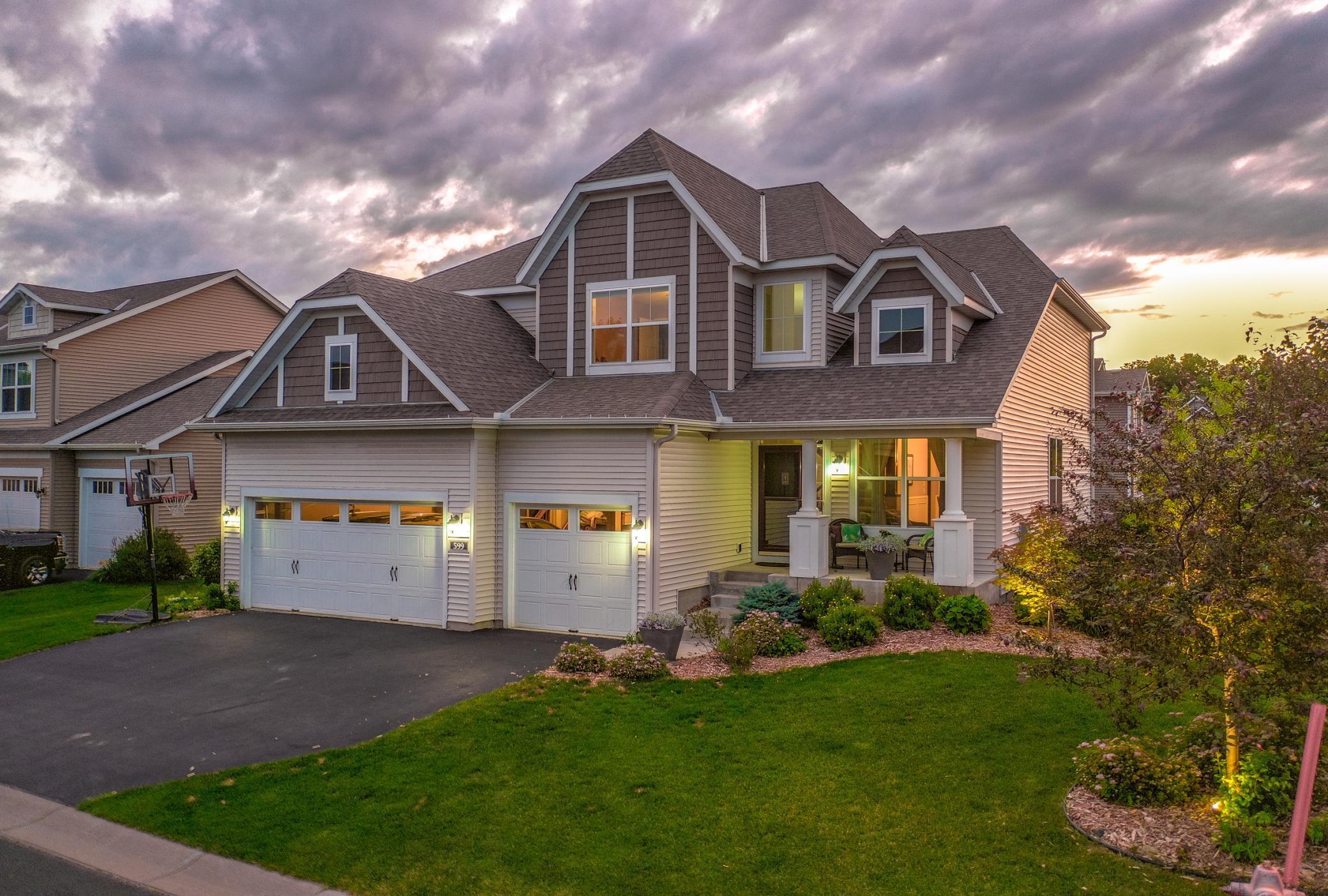 599 Eastgate Property Photo - Mahtomedi, MN real estate listing