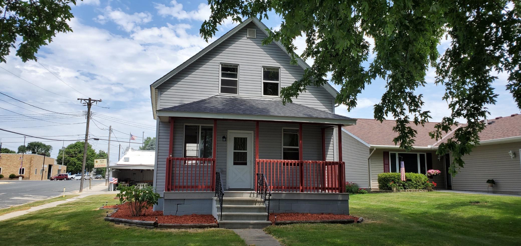 4 1st SE Property Photo - Hayfield, MN real estate listing
