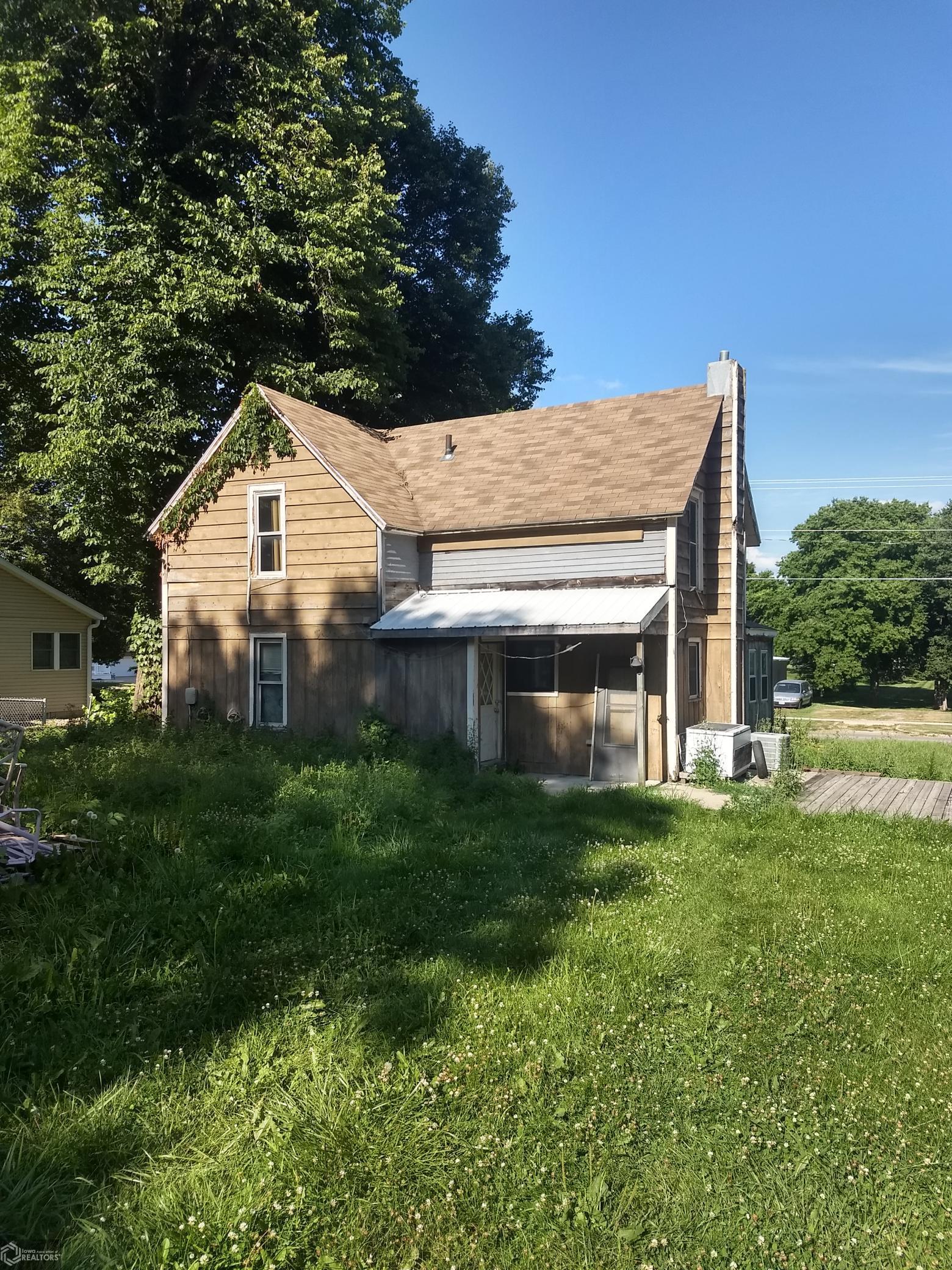909 8th Property Photo - Clear Lake, IA real estate listing