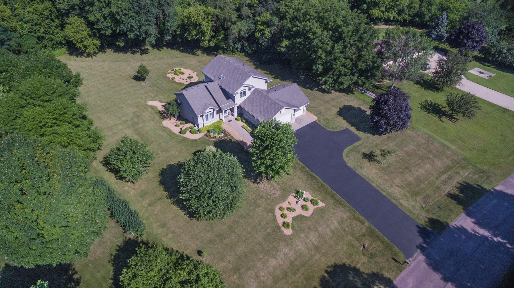 12590 Meadow Court Property Photo - Shakopee, MN real estate listing