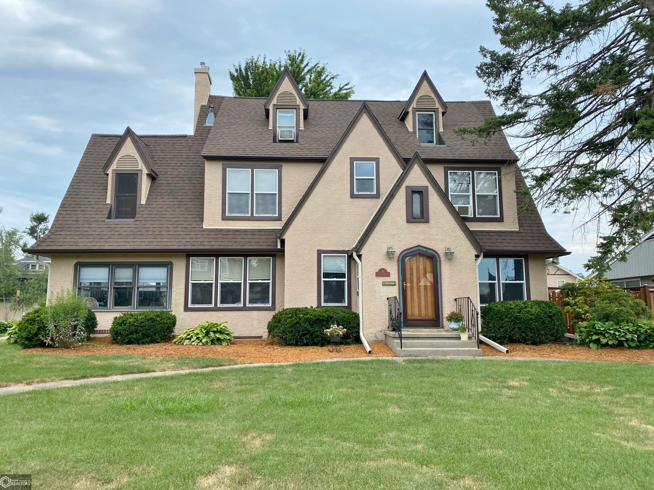 4 Denmead Boulevard Property Photo - Marshalltown, IA real estate listing