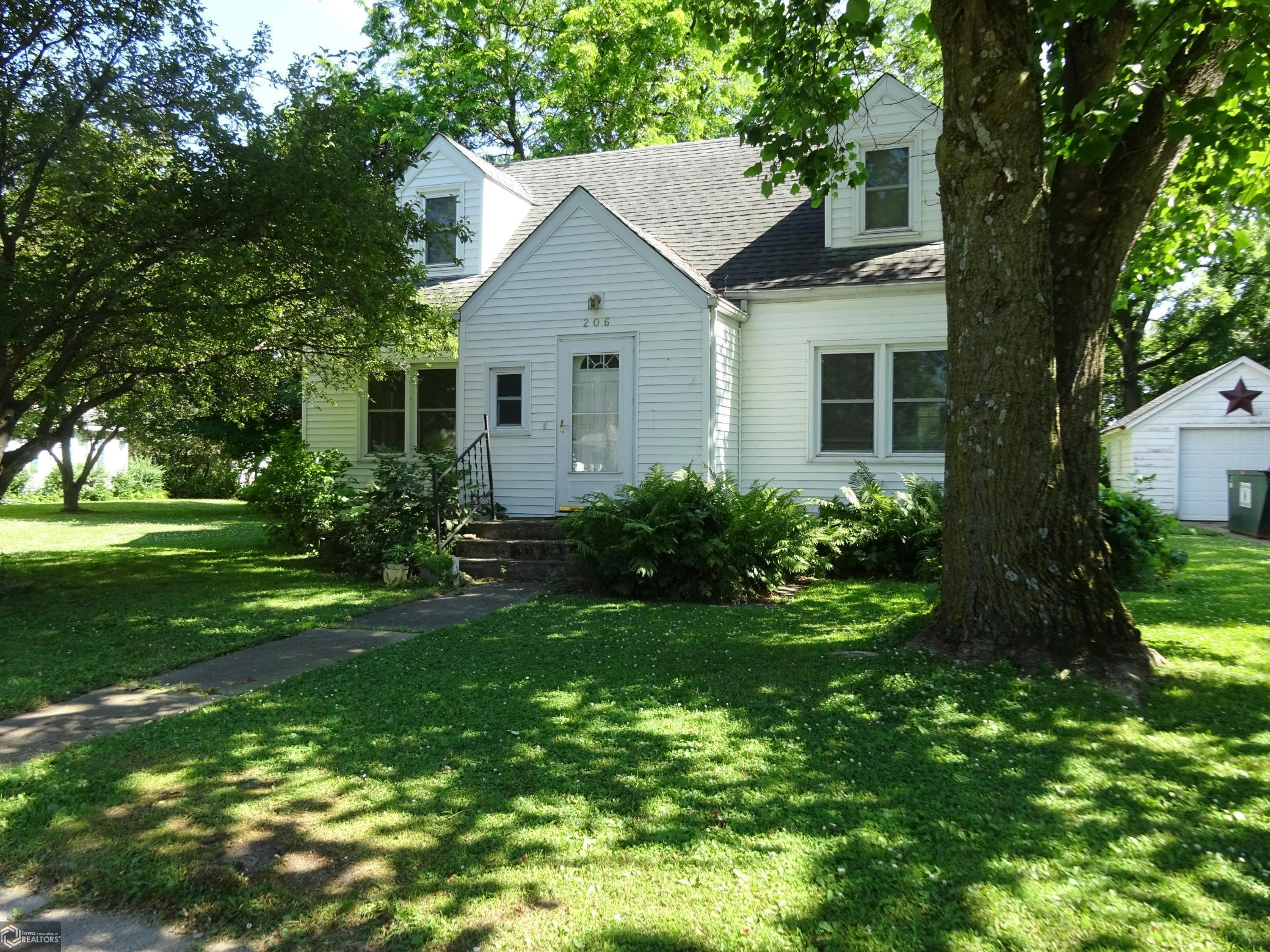 206 Main Property Photo - Steamboat Rock, IA real estate listing