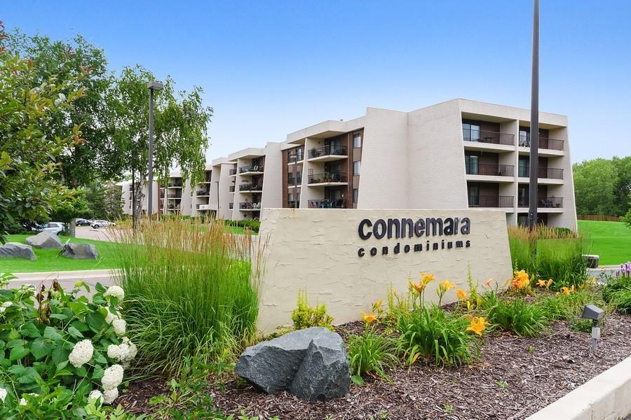 2445 Londin E #212 Property Photo - Maplewood, MN real estate listing