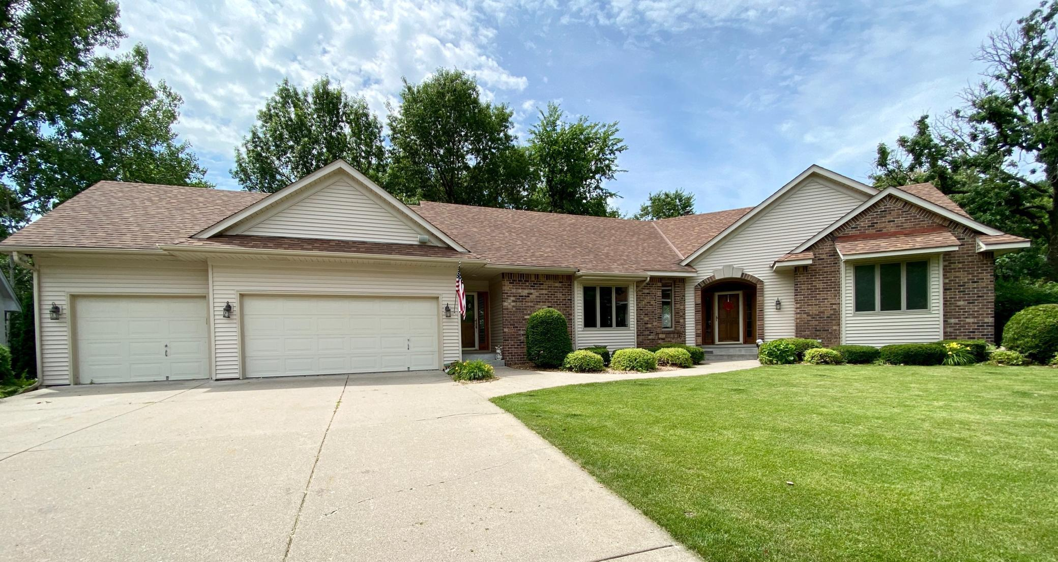 13890 Gulf Breeze Property Photo - Apple Valley, MN real estate listing