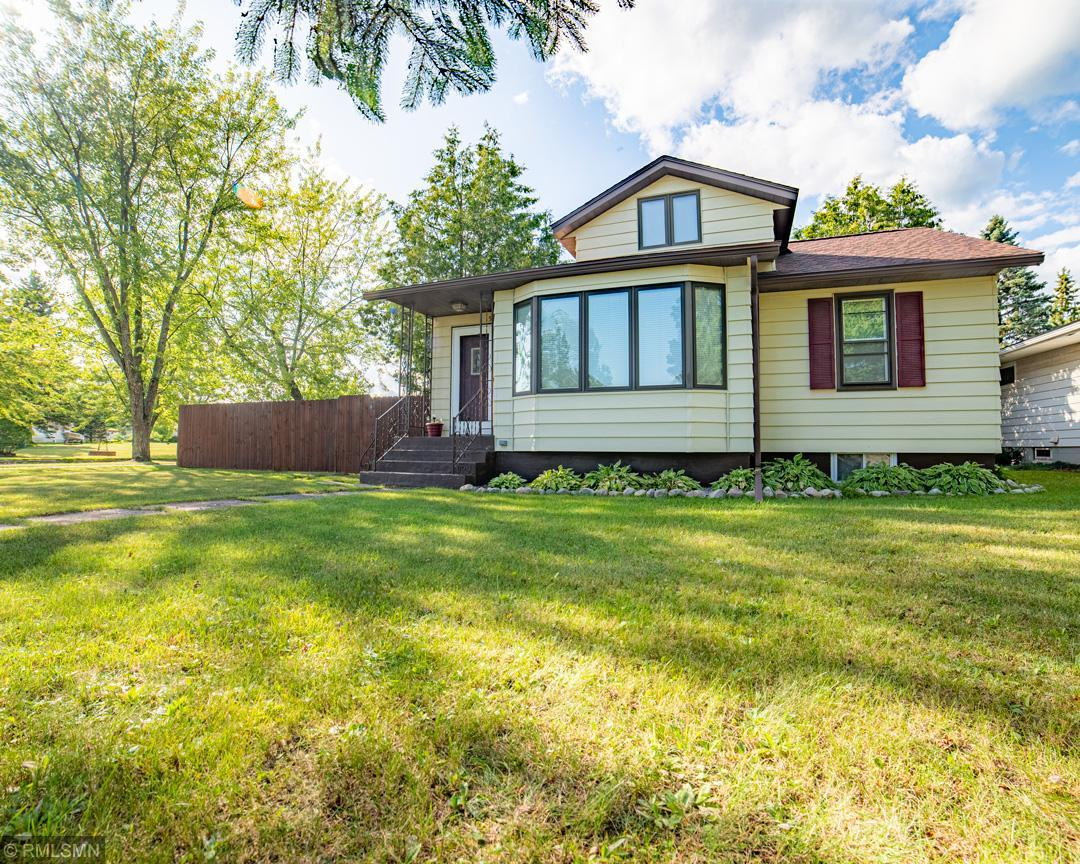 521 Memorial Property Photo - Buhl, MN real estate listing
