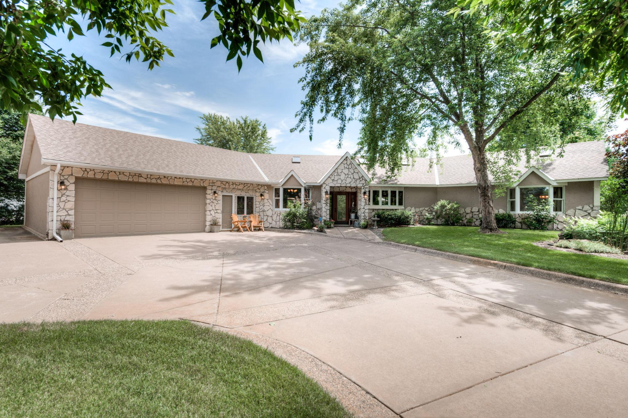 31813 Lakeway NE Property Photo - Cambridge, MN real estate listing