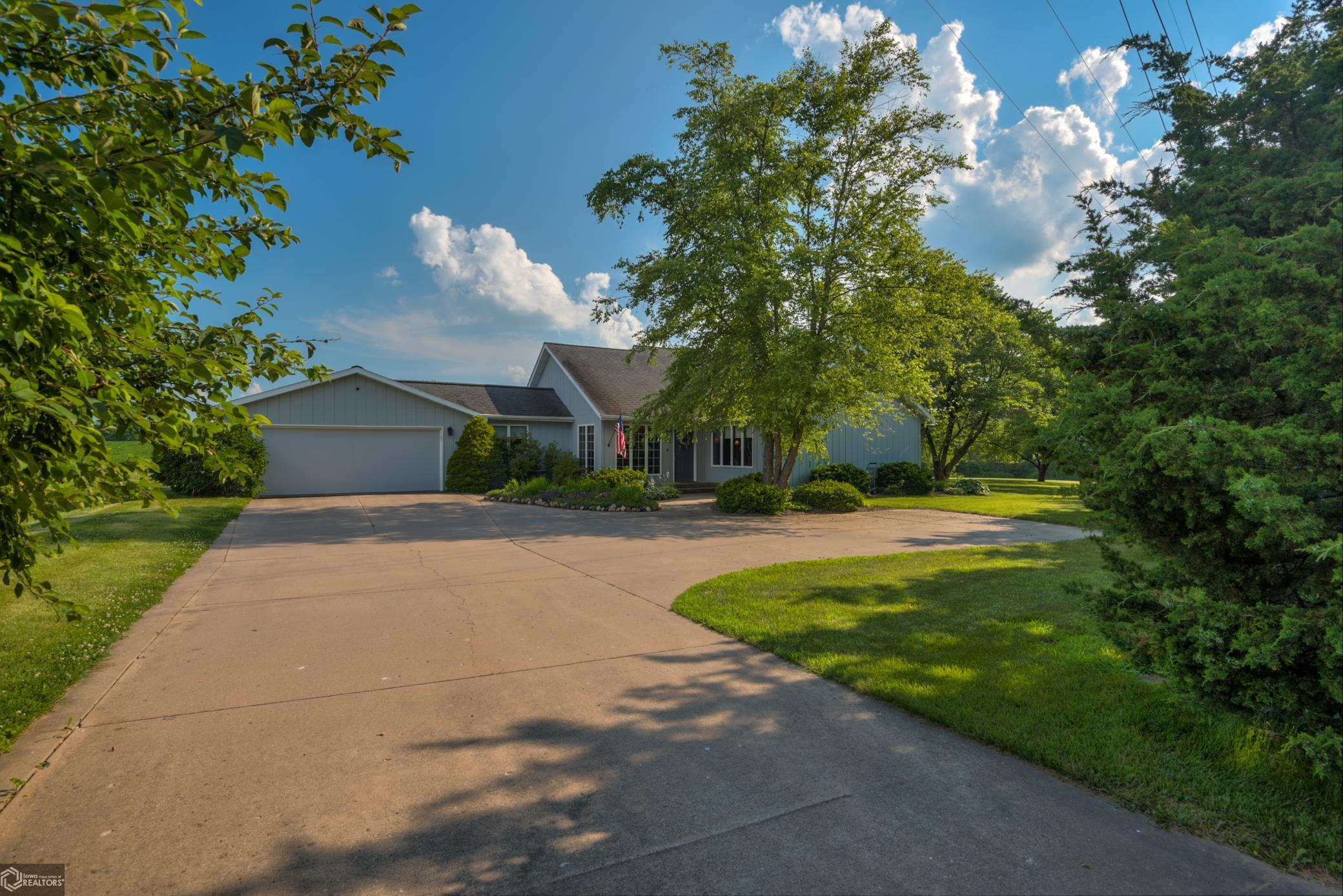 4811 West Property Photo - Burlington, IA real estate listing