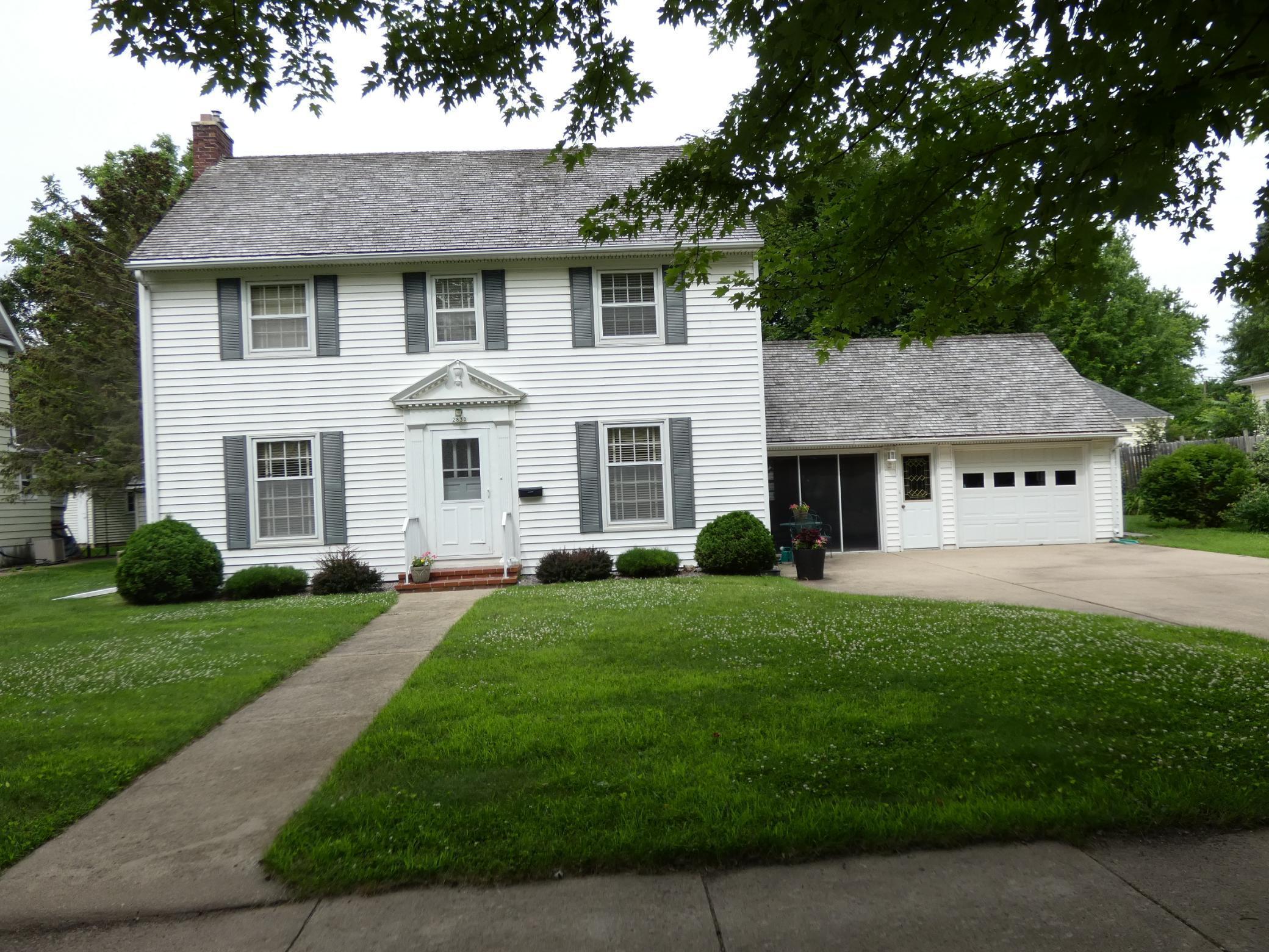 2830 Maple Avenue Property Photo - Slayton, MN real estate listing