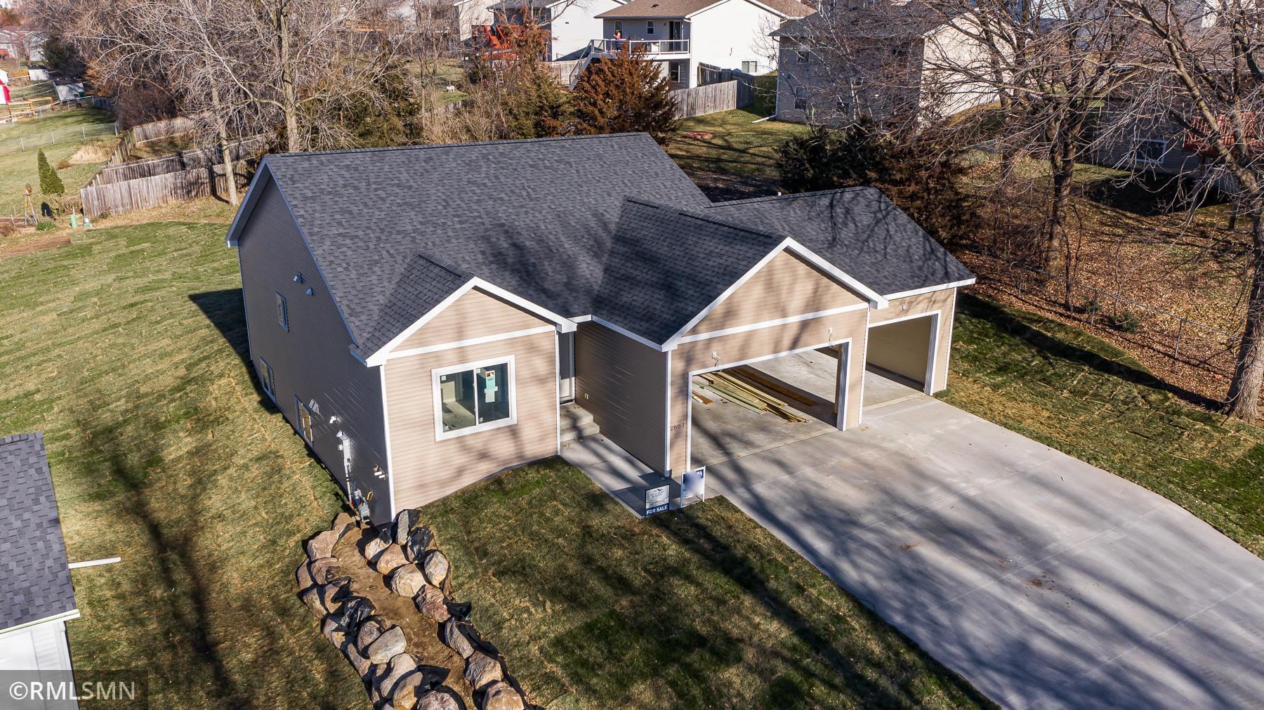 2807 15th Street SE Property Photo - Rochester, MN real estate listing