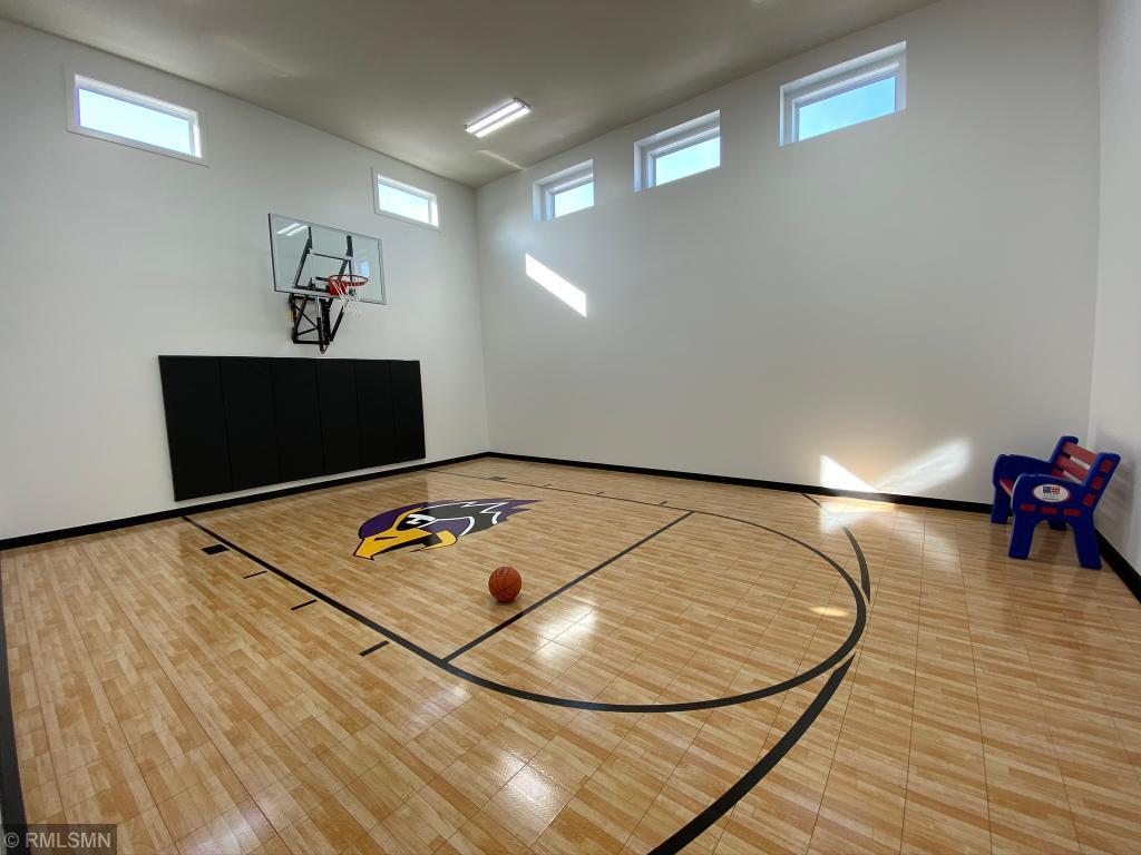 5145 Boulder Property Photo - Chaska, MN real estate listing