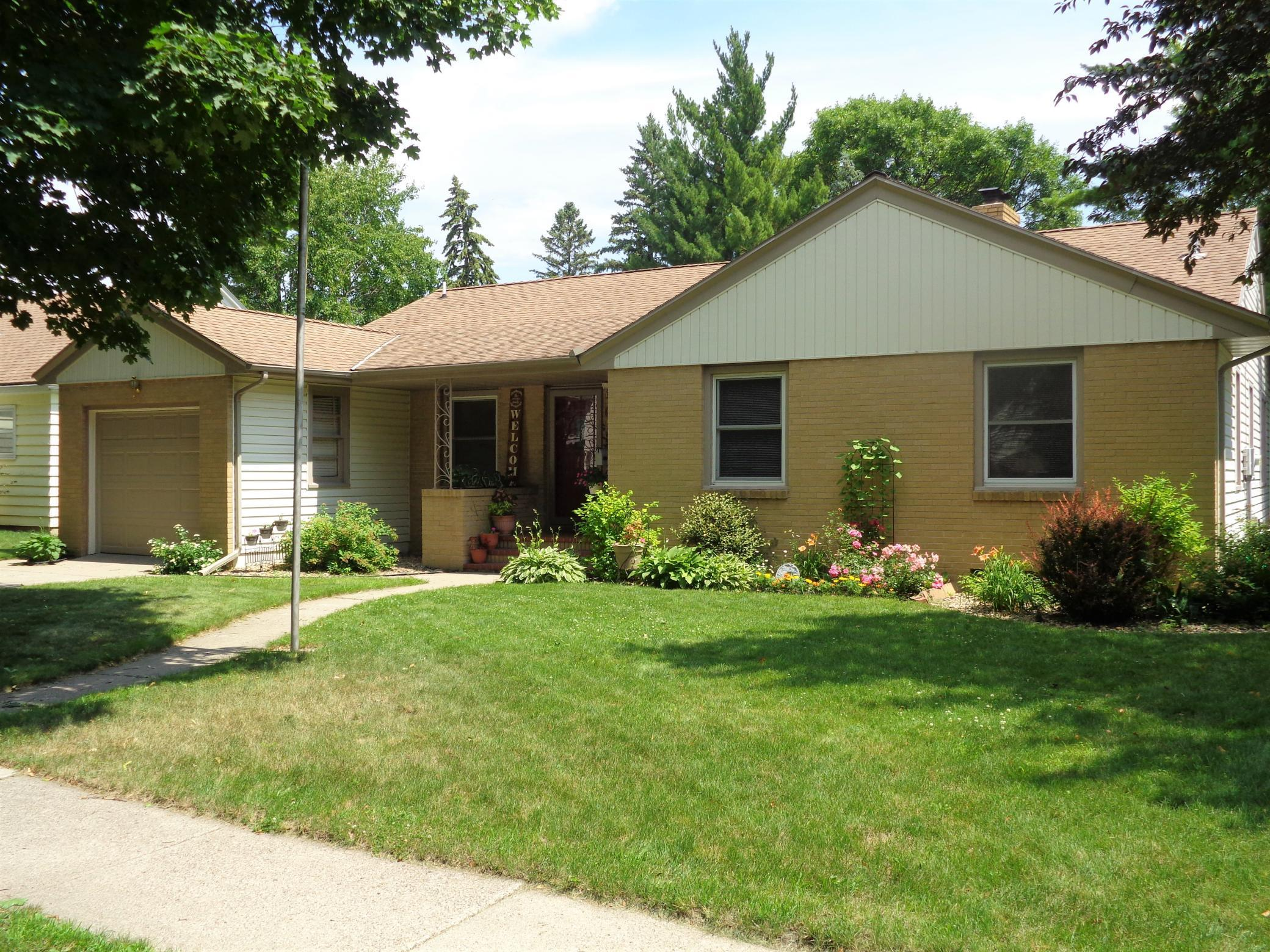 608 9th Property Photo - Montevideo, MN real estate listing