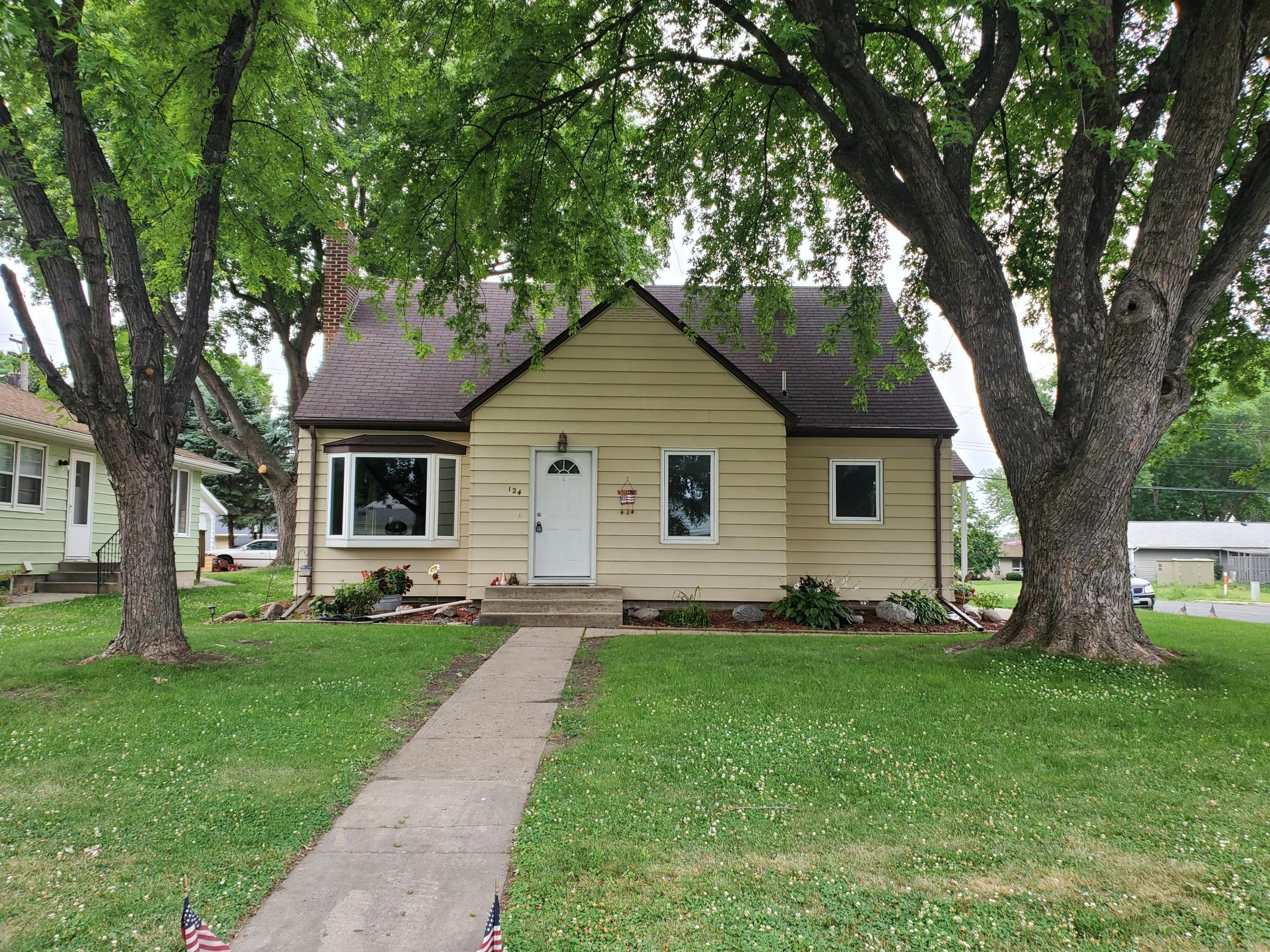 124 Hill Street E Property Photo - Norwood Young America, MN real estate listing