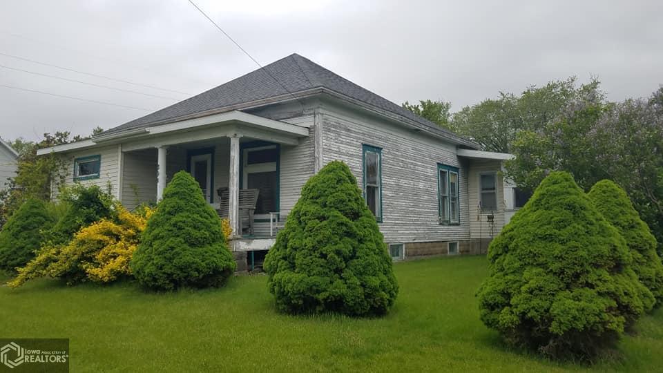 308 Jackson Street Property Photo - Sigourney, IA real estate listing