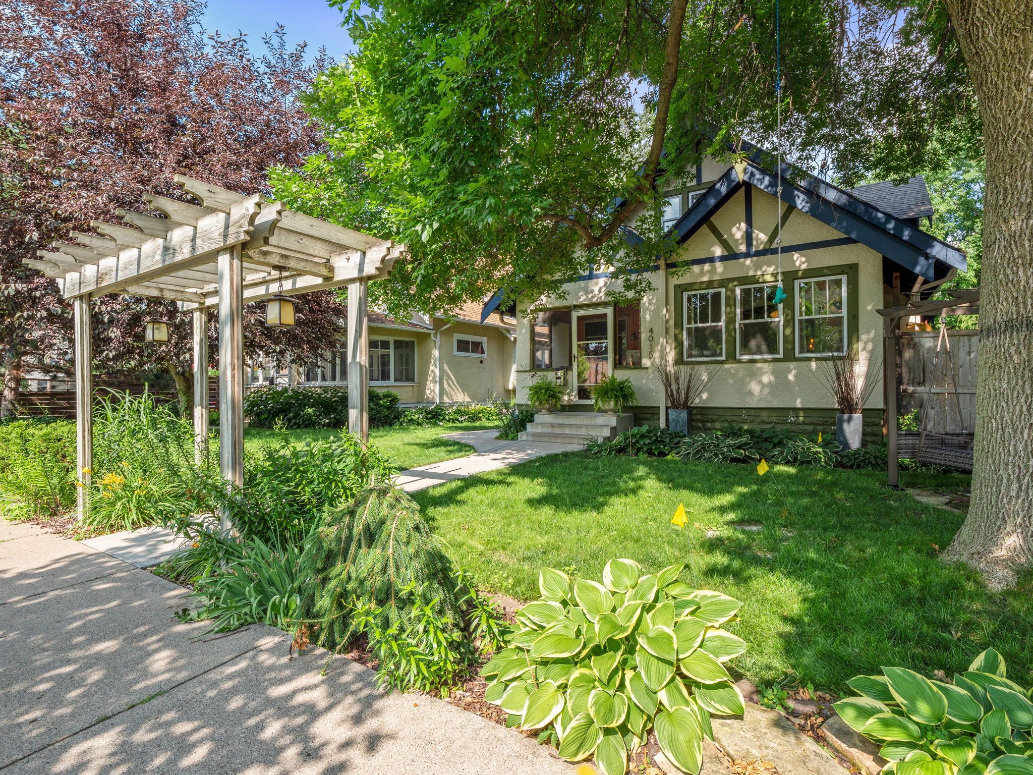 4015 Lyndale S Property Photo - Minneapolis, MN real estate listing