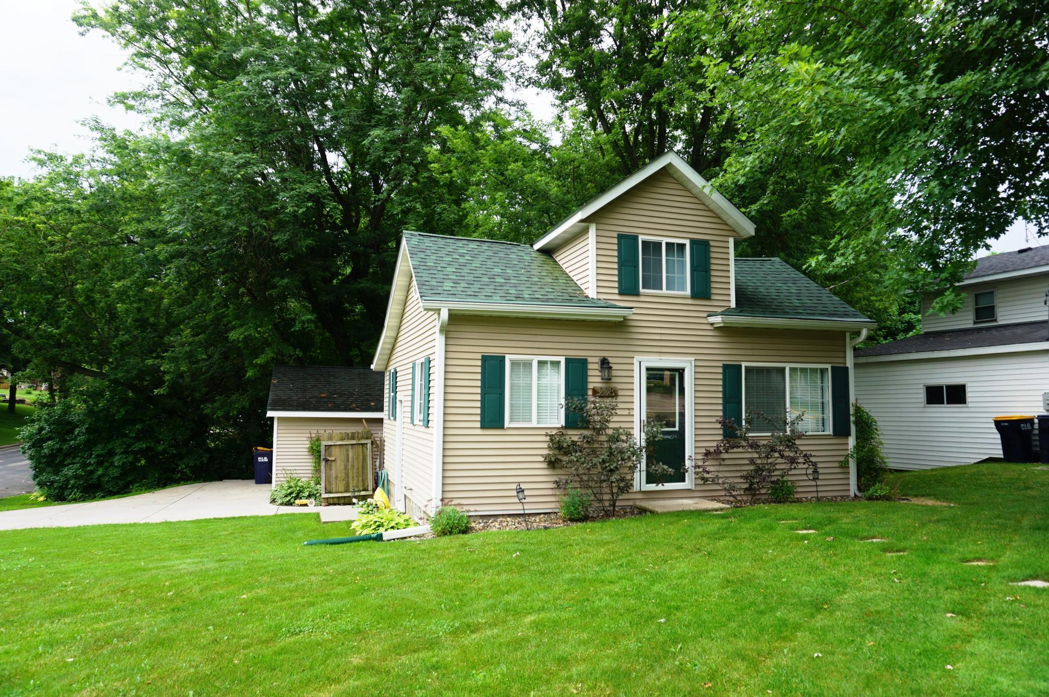 208 Grant Property Photo - Ellsworth, WI real estate listing
