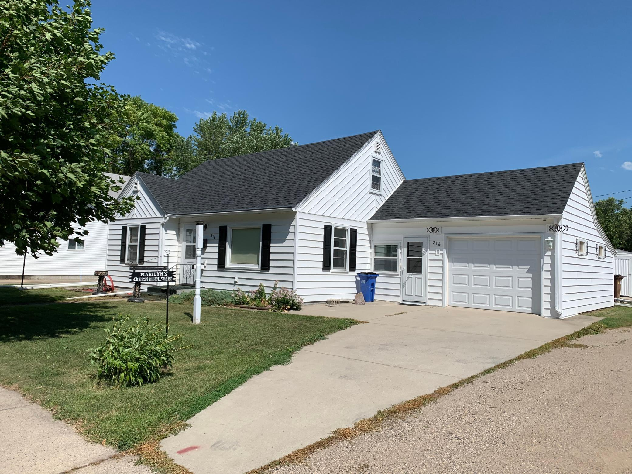 316 5th Property Photo - Madison, MN real estate listing