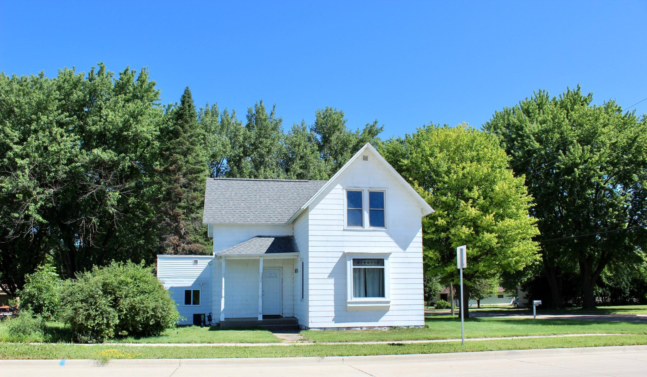 526 E Main Street Property Photo - Blooming Prairie, MN real estate listing
