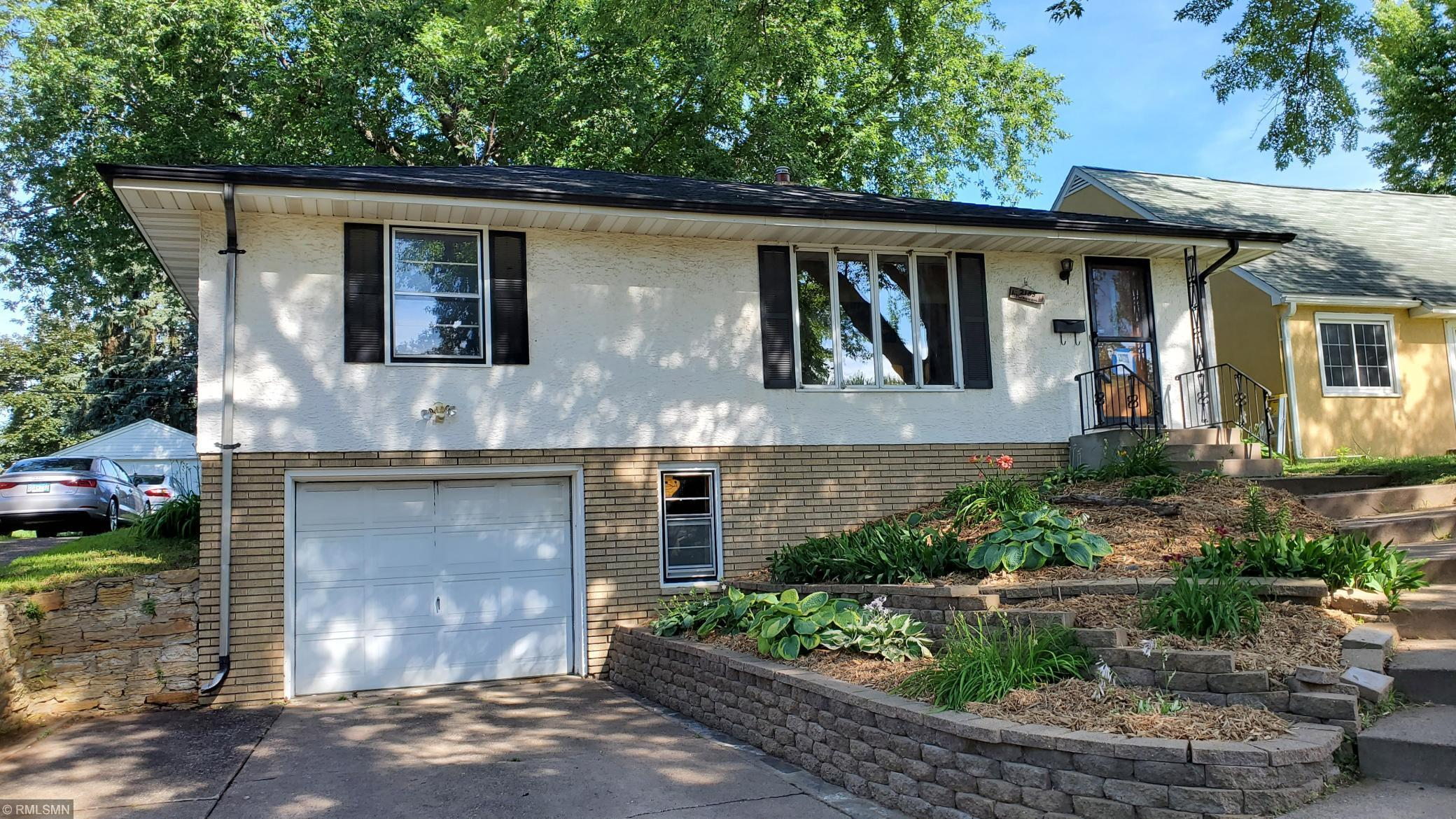 2155 Waukon Property Photo - Saint Paul, MN real estate listing