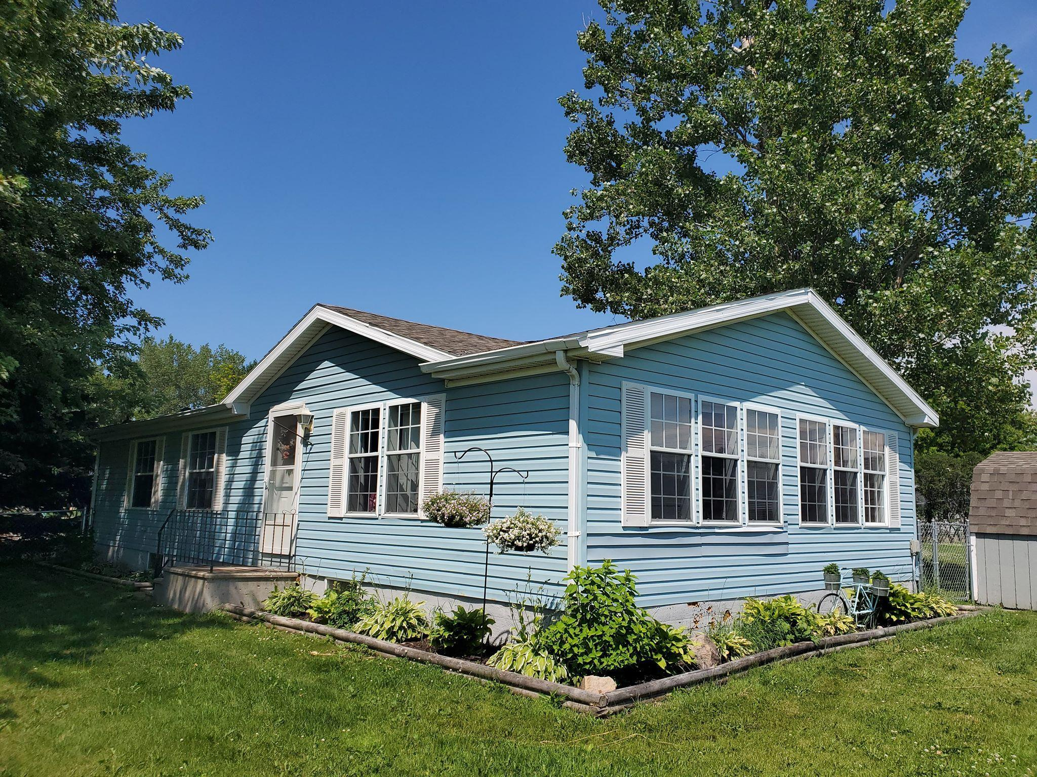 290 Pine Property Photo - Dexter, MN real estate listing