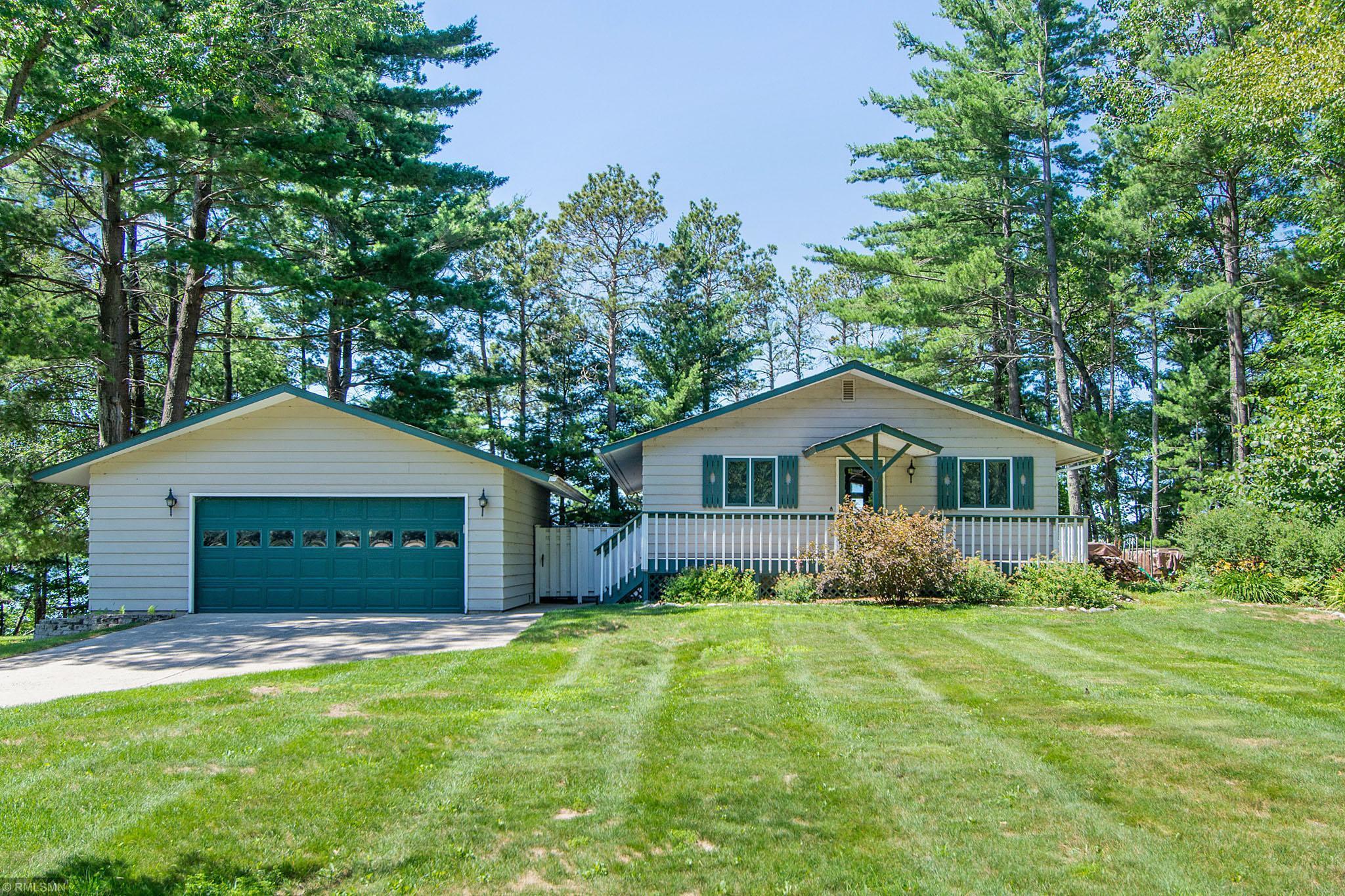 22523 E Lake Hubert Drive Property Photo