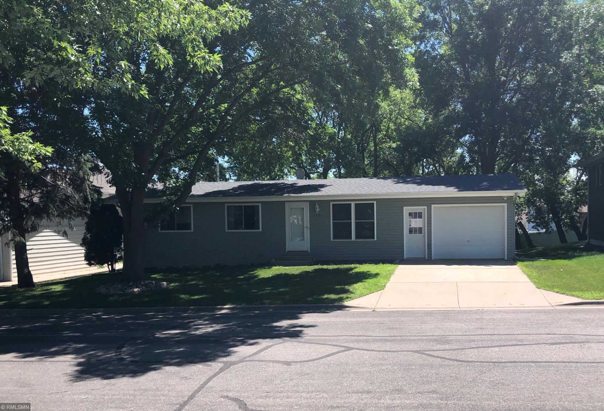1241 Highview Drive Property Photo - Albany, MN real estate listing