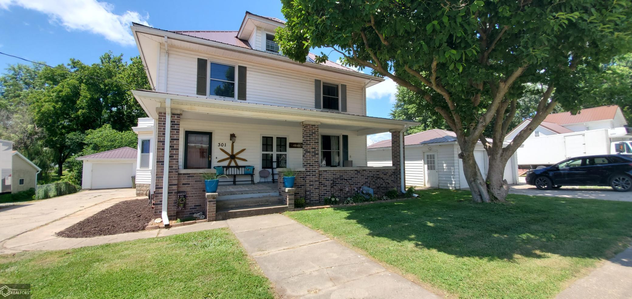 301 Main Property Photo - Danville, IA real estate listing