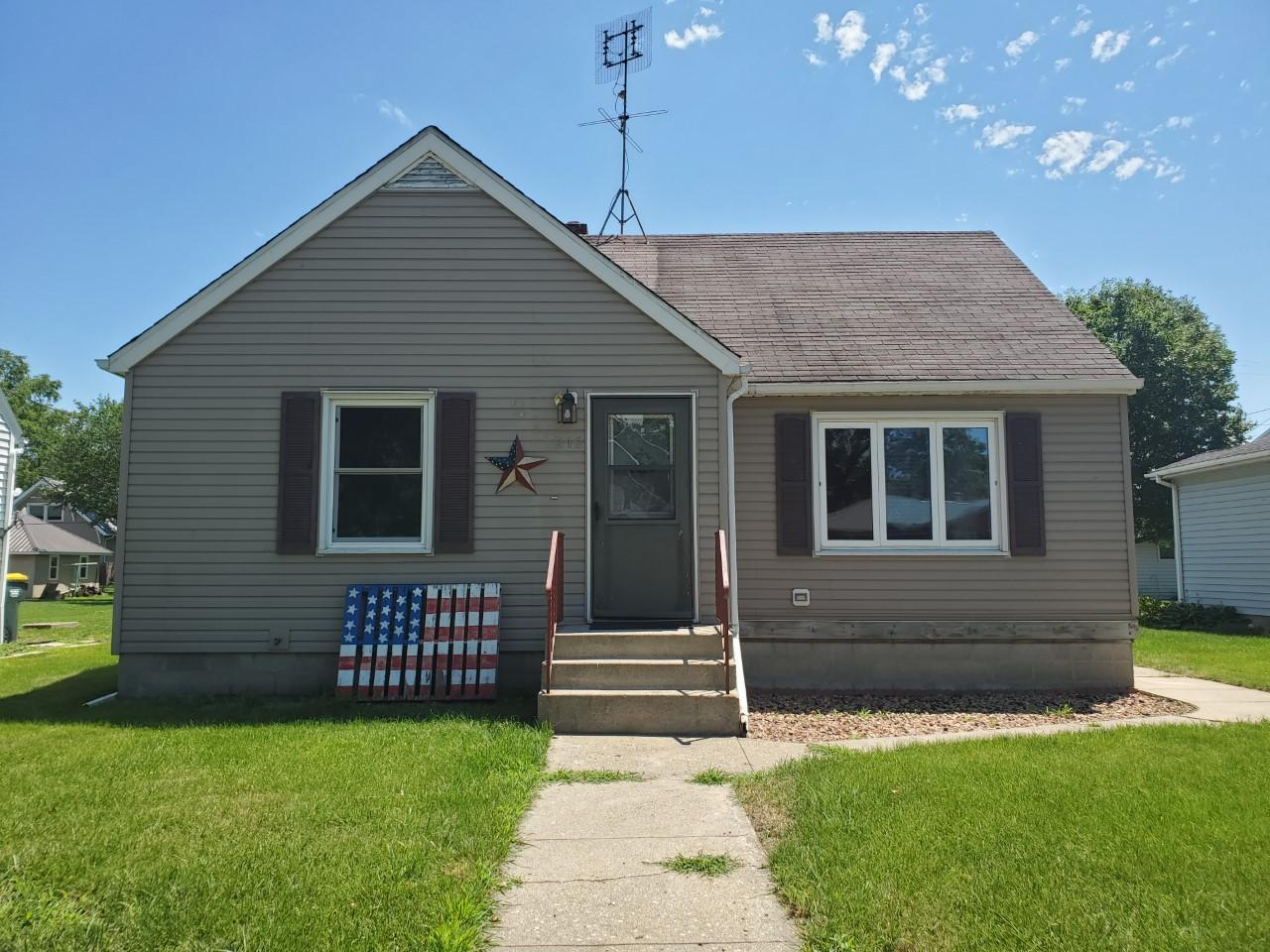 212 Cleveland Avenue Property Photo - Morgan, MN real estate listing
