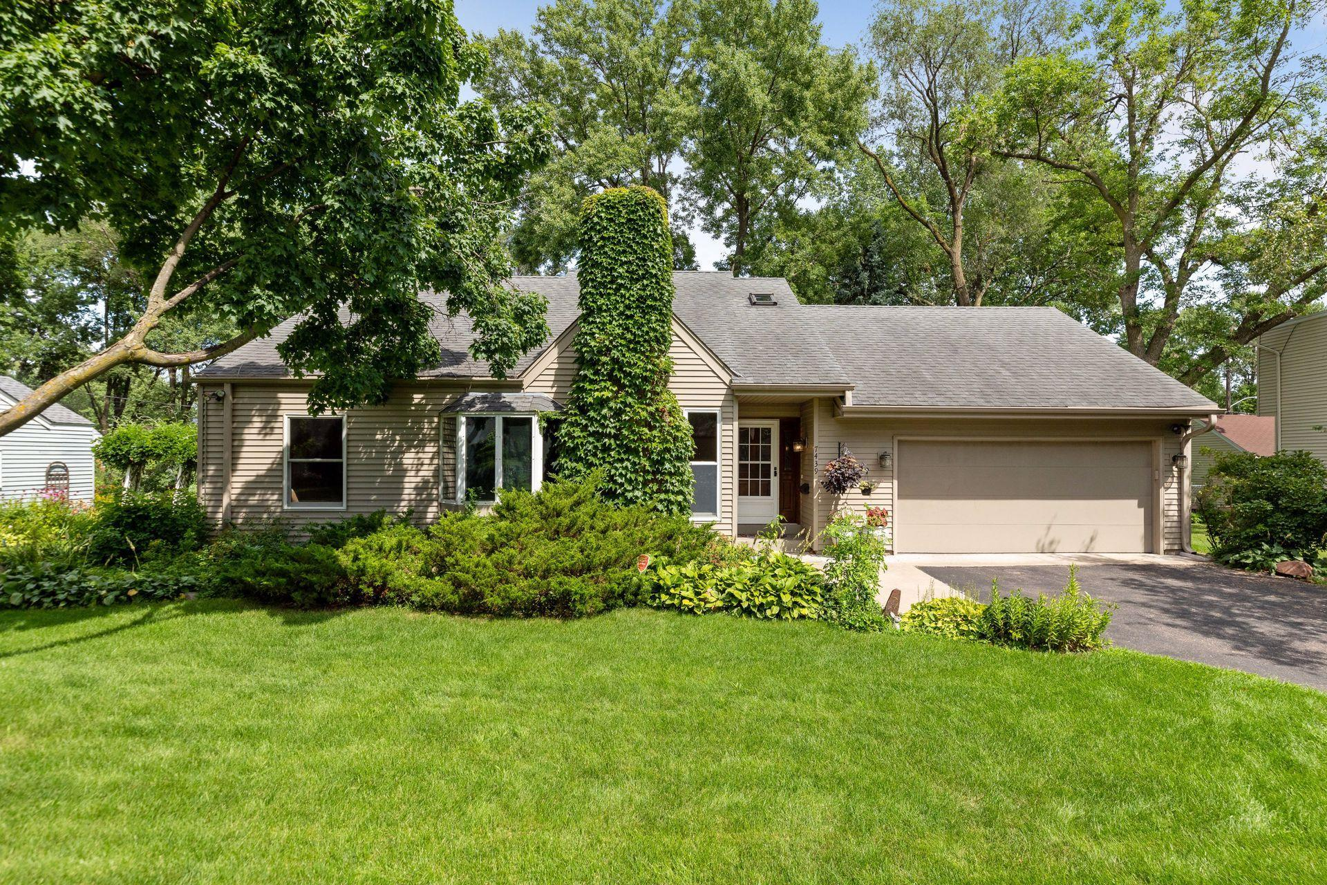 7439 Stevens Avenue Property Photo - Richfield, MN real estate listing