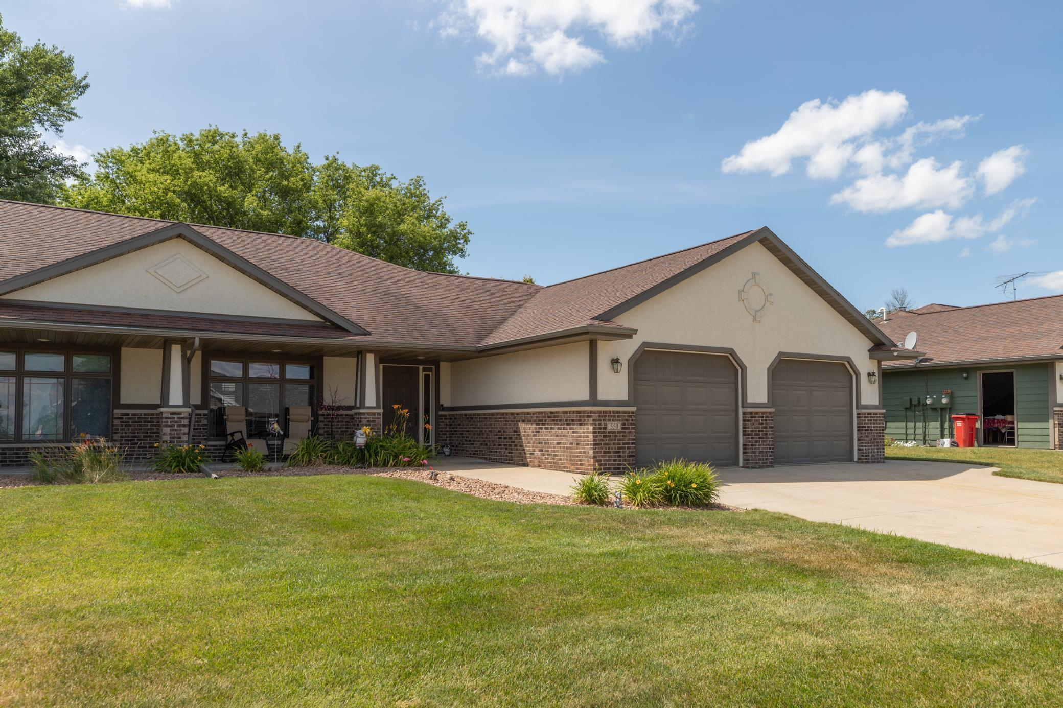 550 5th NE Property Photo - Plainview, MN real estate listing
