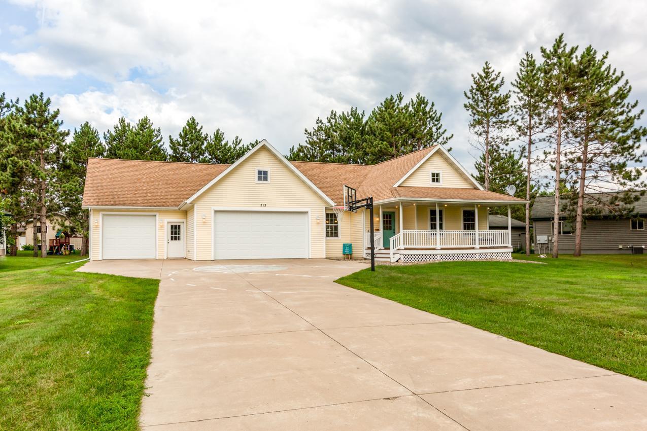 313 Ravilla Property Photo - Staples, MN real estate listing
