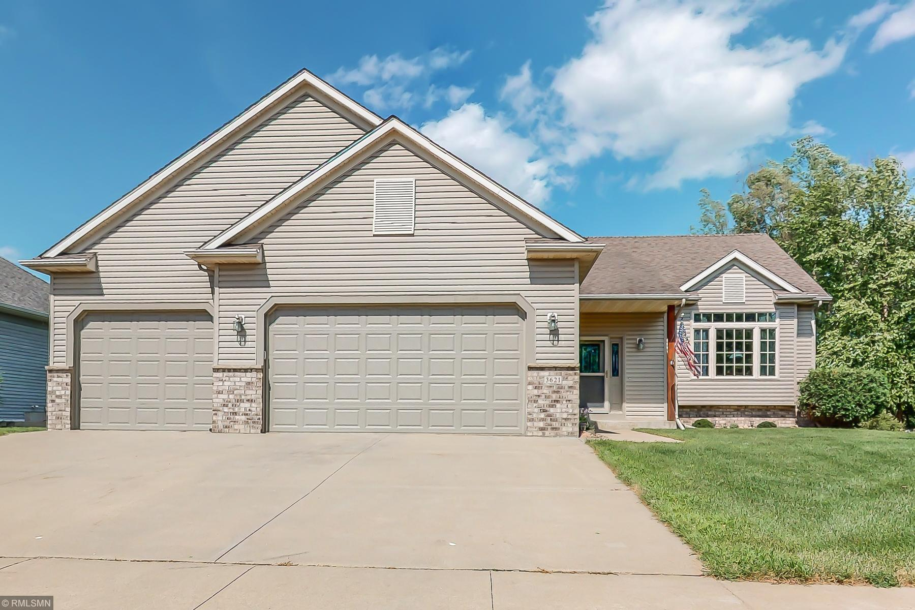 3621 Nottingham Drive NW Property Photo - Rochester, MN real estate listing