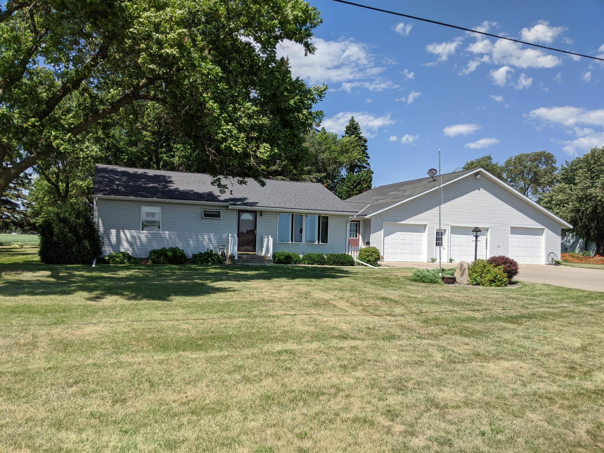 1425 17th Property Photo - Montevideo, MN real estate listing