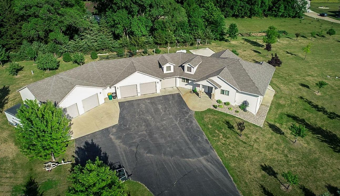 33308 Sandhill Circle Property Photo - Albany, MN real estate listing