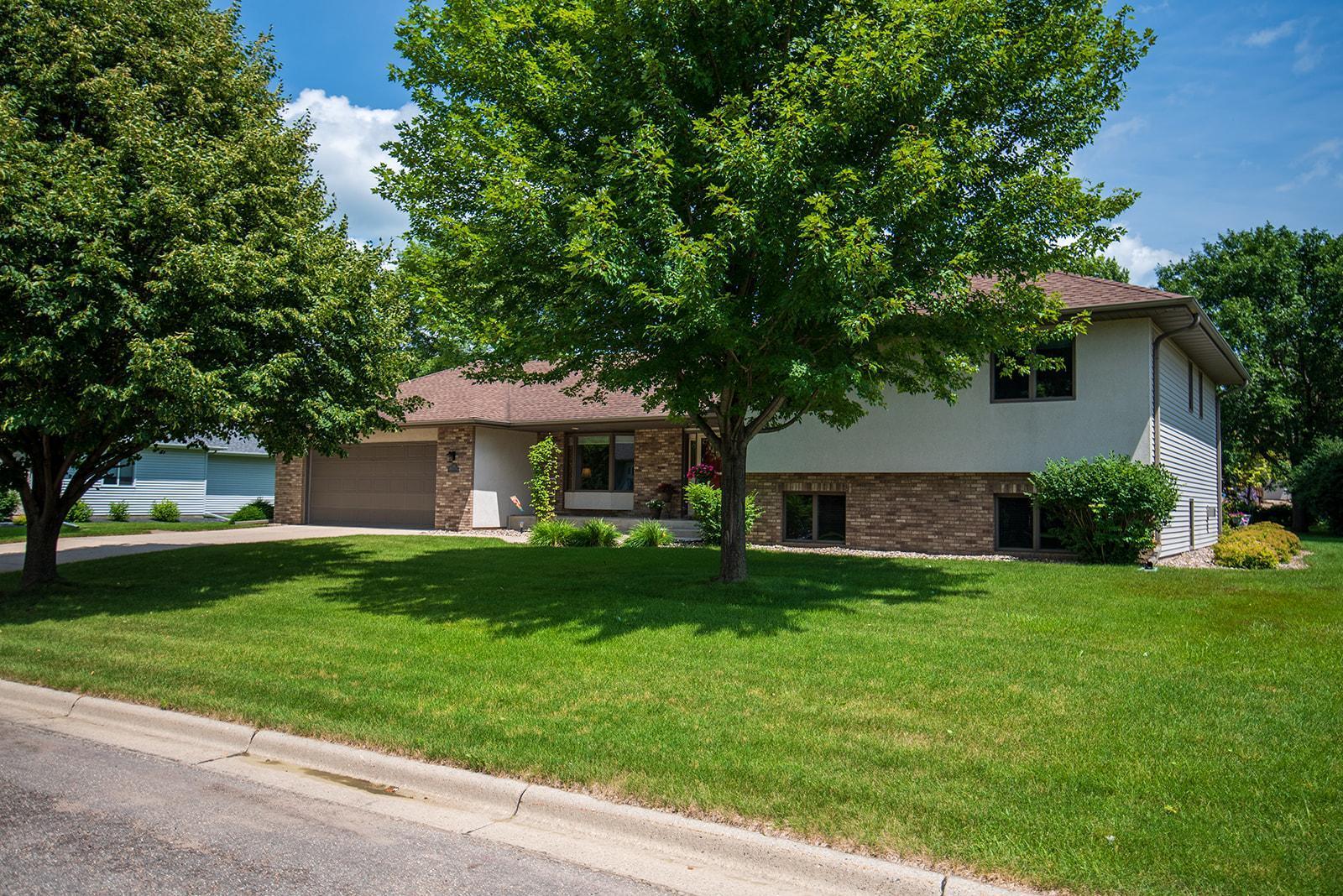 1073 Oakview Drive Property Photo