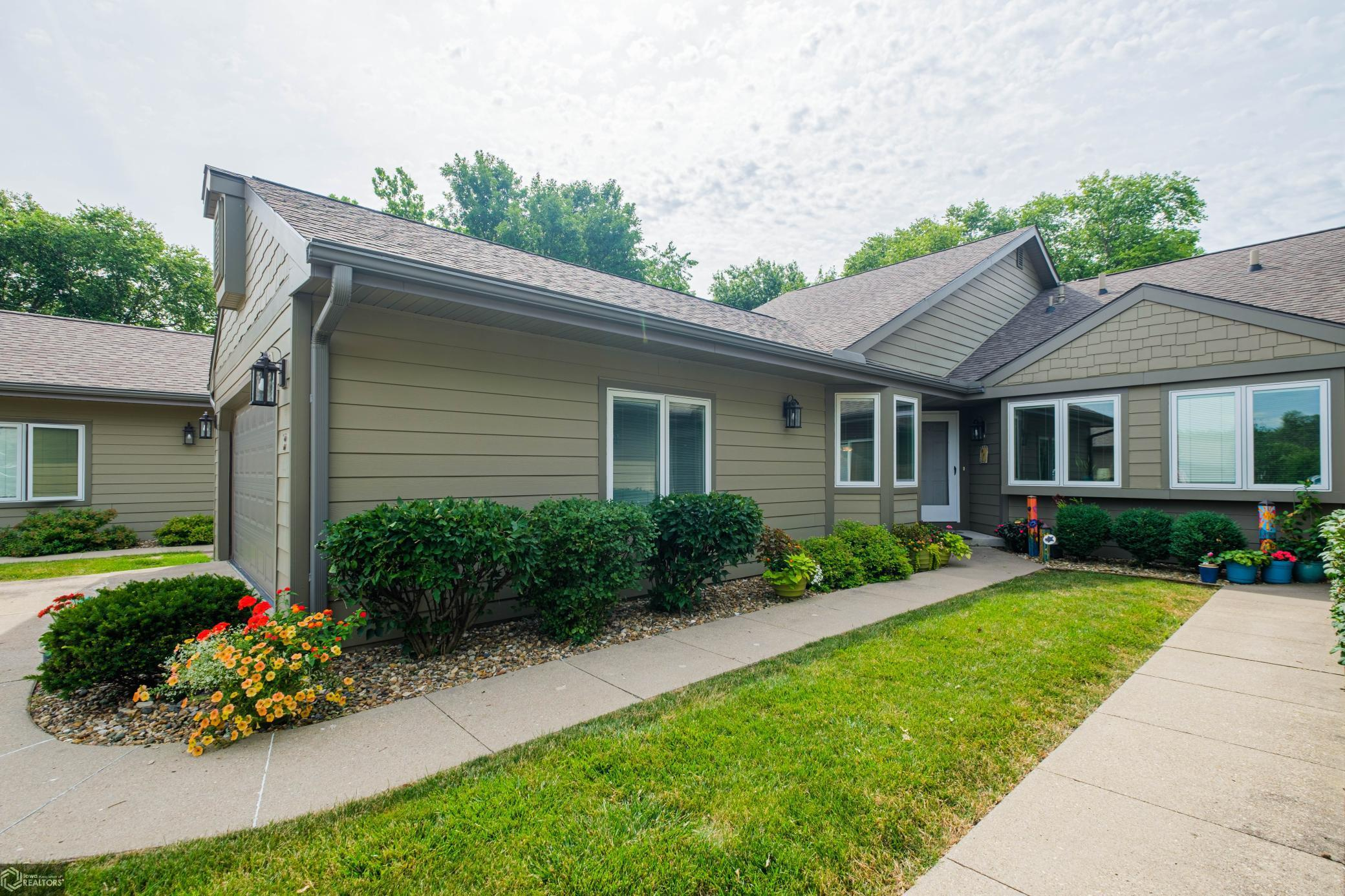 734 16th #U3 Property Photo - Grinnell, IA real estate listing