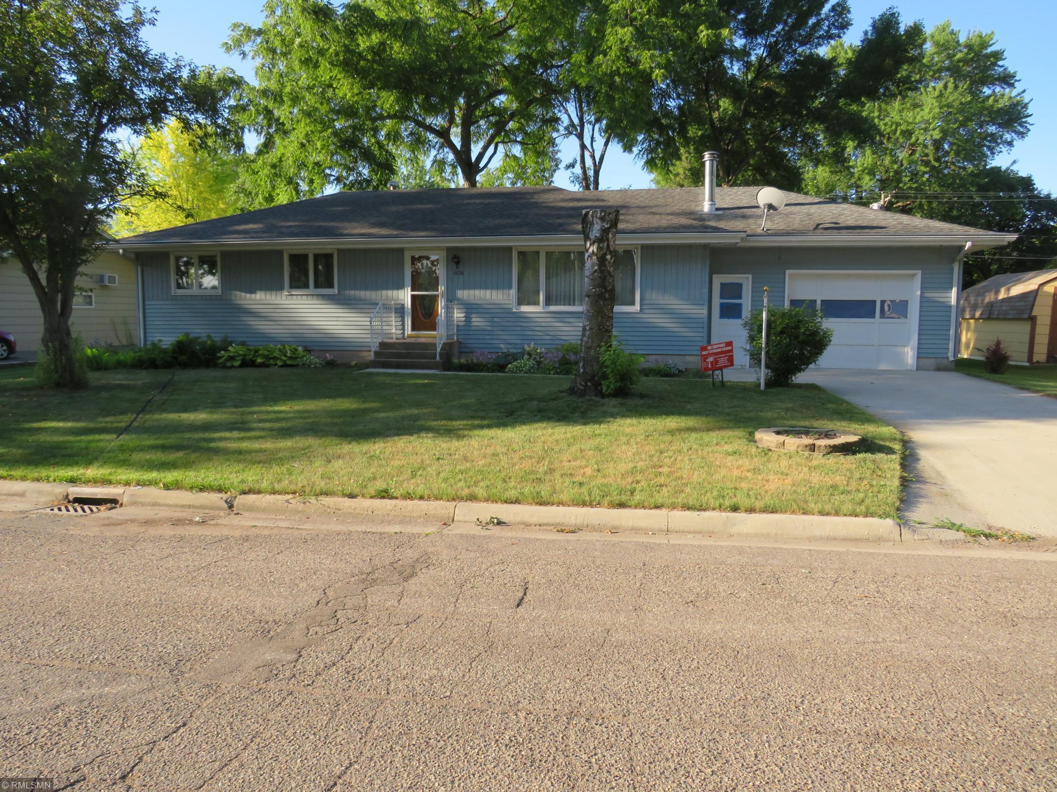 1636 11th Street E Property Photo - Glencoe, MN real estate listing